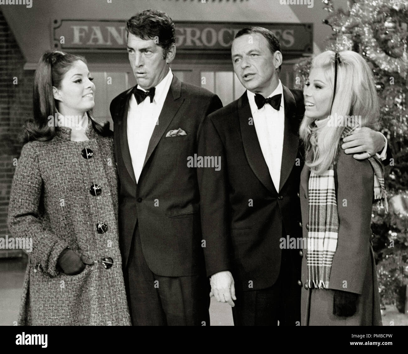 Dean Martin White Christmas.Deana Martin Dean Martin Frank Sinatra And Nancy Sinatra