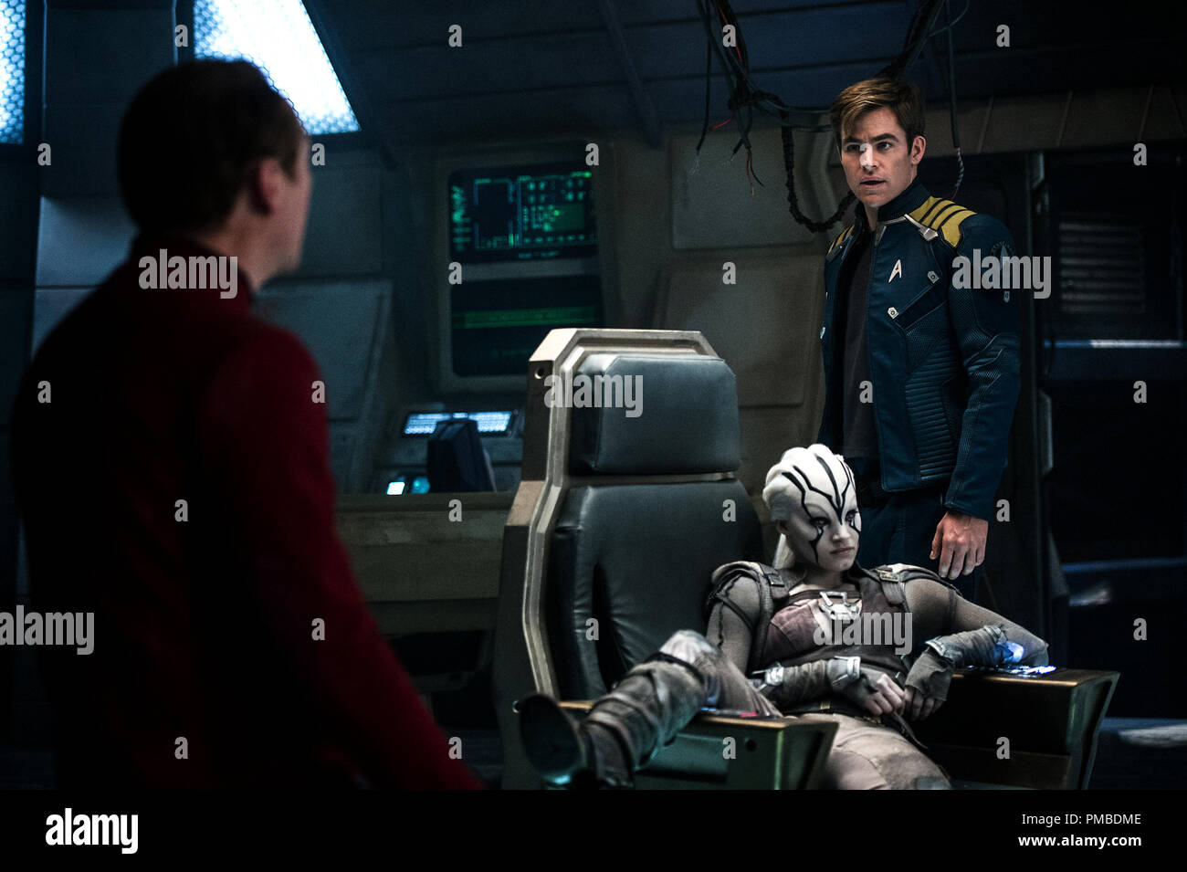 Left to right: Simon Pegg plays Scotty, Sofia Boutella plays Jaylah and Chris Pine plays Kirk in Star Trek Beyond from Paramount Pictures, Skydance, Bad Robot, Sneaky Shark and Perfect Storm Entertainment - Stock Image