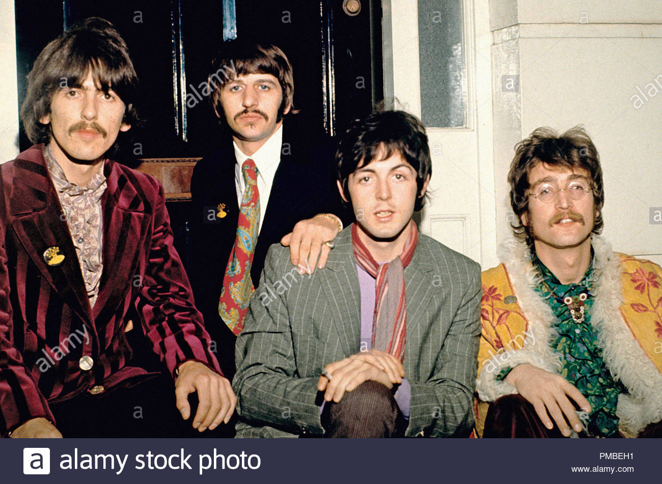 Publicity photo of The Beatles (George Harrison, Ringo Starr, Paul McCartney and John Lennon) at Abbey Road Studios, (1967)  File Reference # 33371_713THA - Stock Image