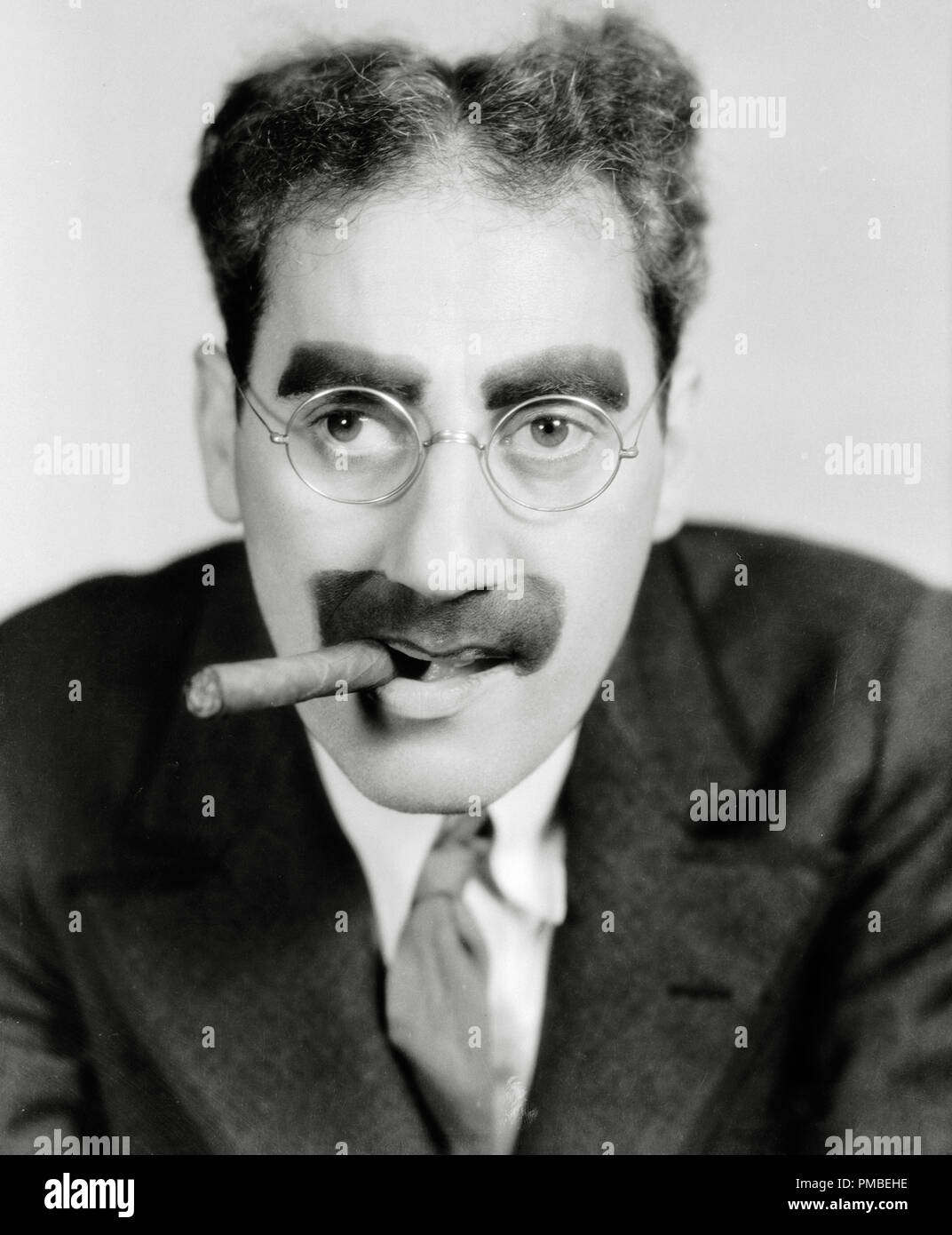 Groucho Marx Stock Photos Groucho Marx Stock Images Page 3 Alamy