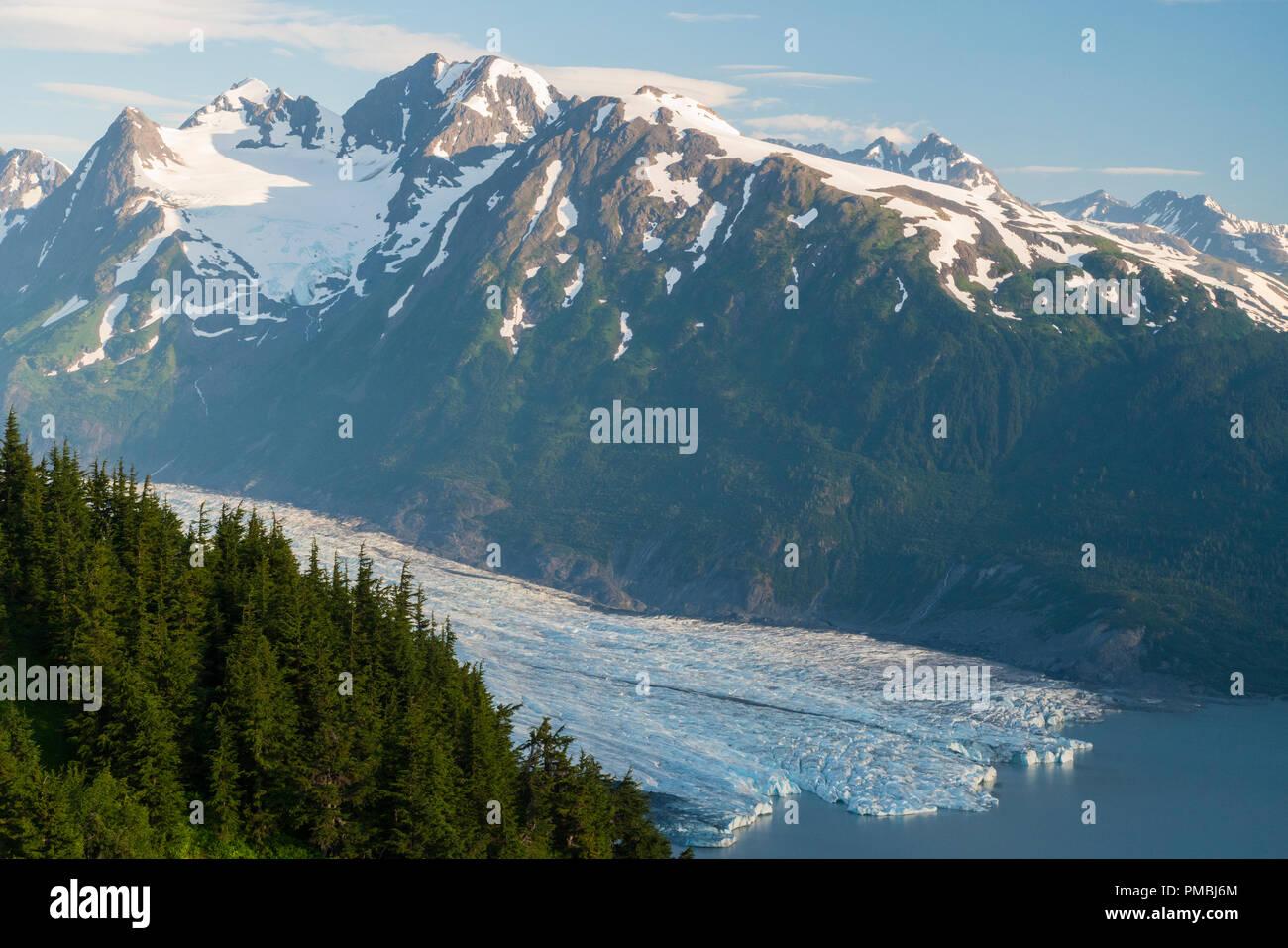 Spencer Glacier Bench Forest Service Cabin, Chugach National Forest, Alaska. - Stock Image