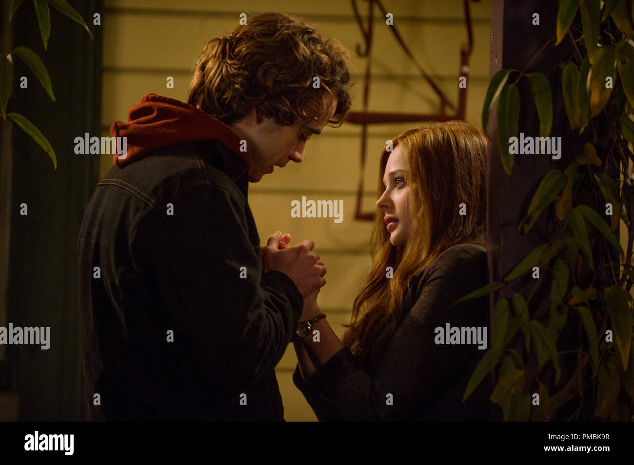 L R Jamie Blackley As Adam And Chloe Grace Moretz As Mia Hall In