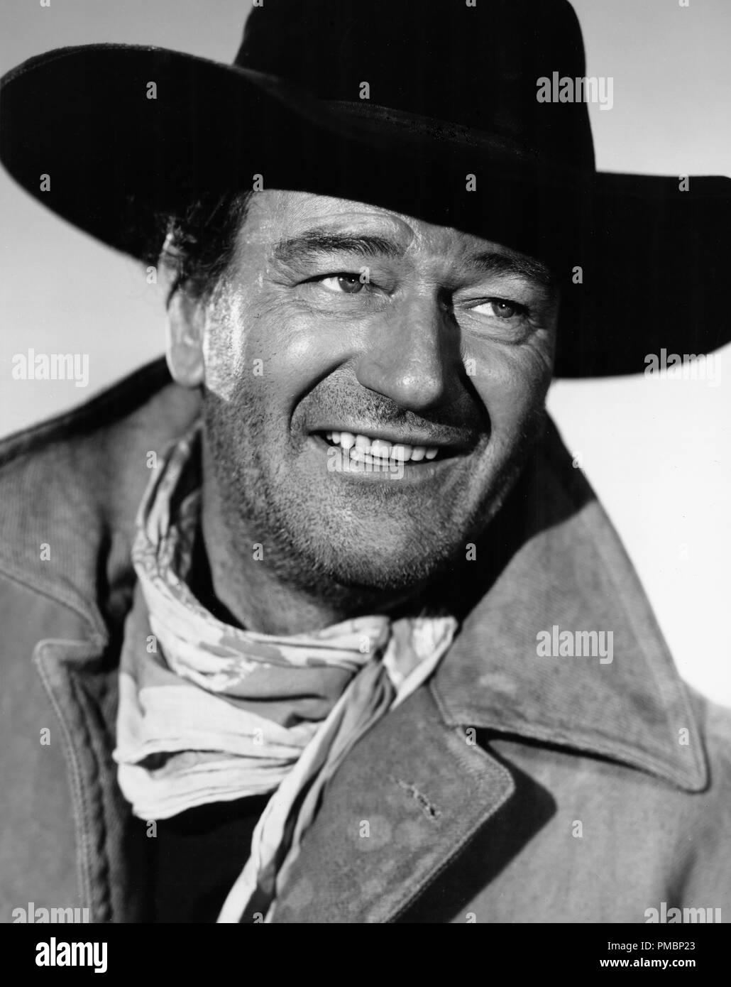 John Wayne, 'The Searchers', 1956 Warner Bros. File Reference # 32603_193THA - Stock Image