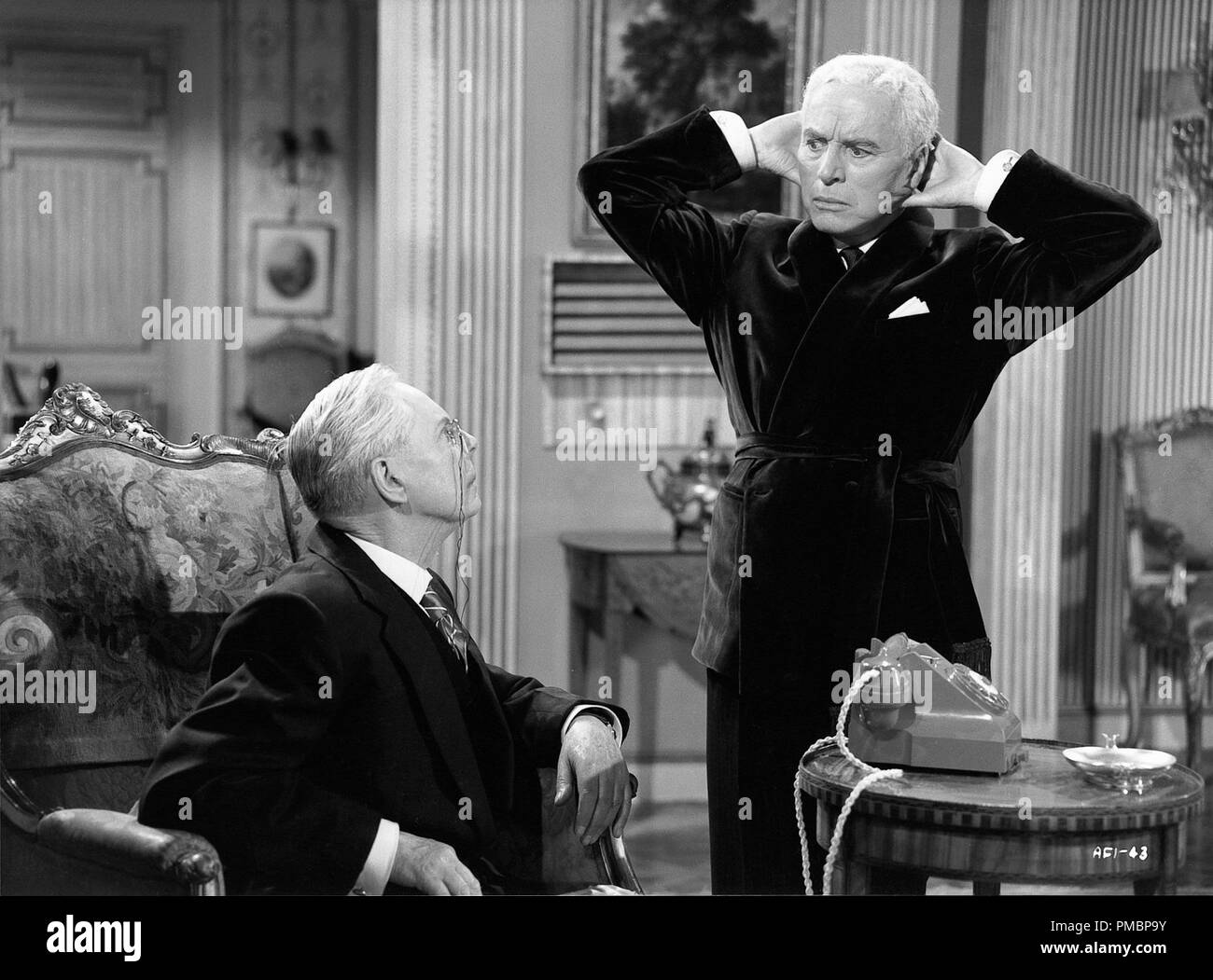 Charles Chaplin and Jerry Desmonde in 'A King in New York' 1957 Archway Ent. File Reference # 32603_348THA - Stock Image