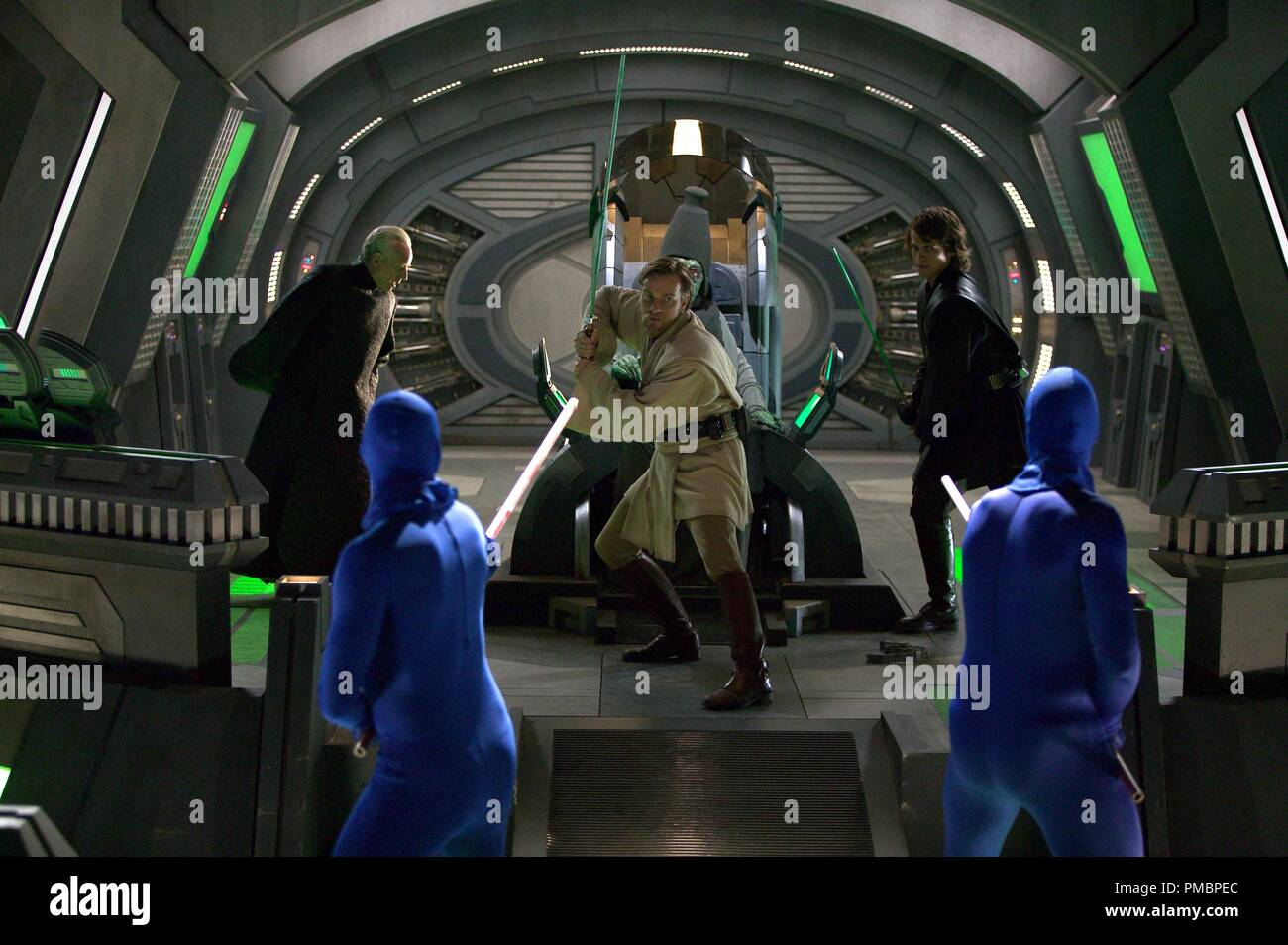 Ewan Mcgregor And Hayden Christensen Battle Magnaguards In Star Wars Episode Iii Revenge Of The Sith 2005 File Reference 32603 463tha Stock Photo Alamy