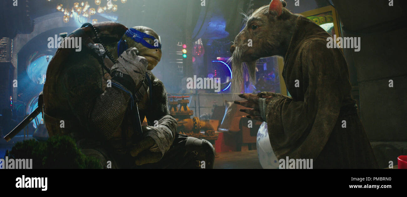 Left To Right Leonardo And Splinter In Teenage Mutant Ninja Turtles Out Of The Shadows From Paramount Pictures Nickelodeon Movies And Platinum Dunes Stock Photo Alamy