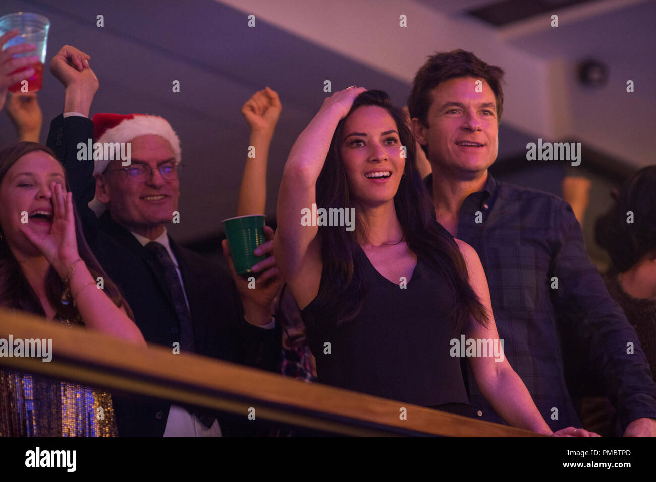 L-R) Olivia Munn as Tracey Hughes and Jason Bateman as Josh Parker ...