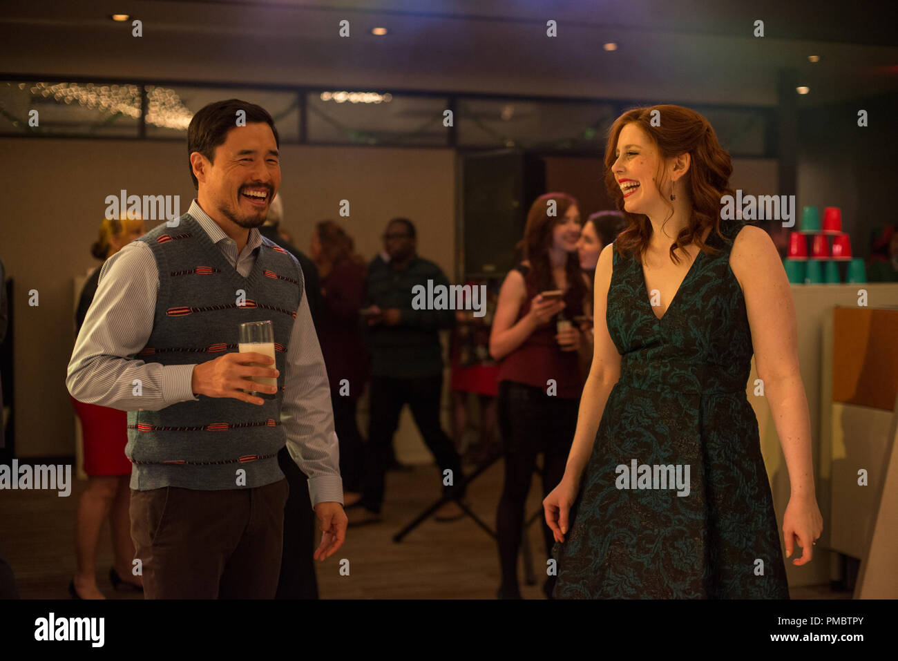 L-R) Randall Park as Fred and Vanessa Bayer as Allison in OFFICE ...
