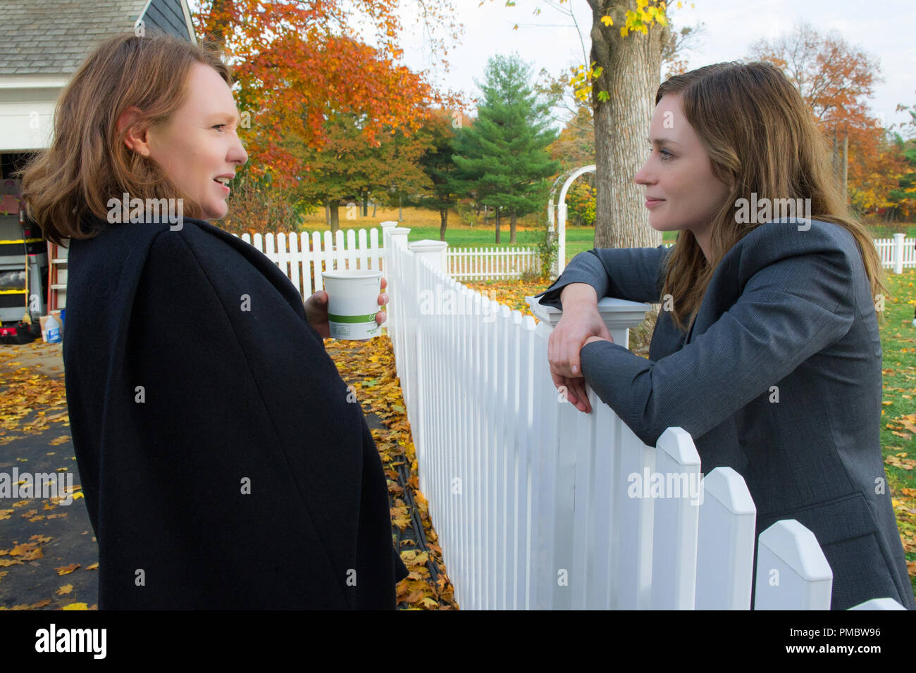 (L to R) Book author PAULA HAWKINS and EMILY BLUNT as Rachel on the set of DreamWorks Pictures 'The Girl on the Train' - Stock Image