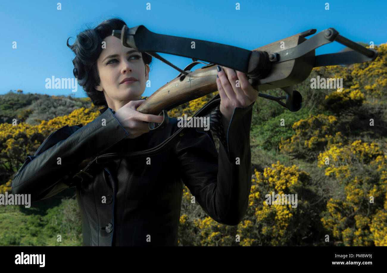 'Miss Peregrine's Home for Peculiar Children' (2016) Miss Peregrine (Eva Green) takes aim at her powerful enemies. - Stock Image