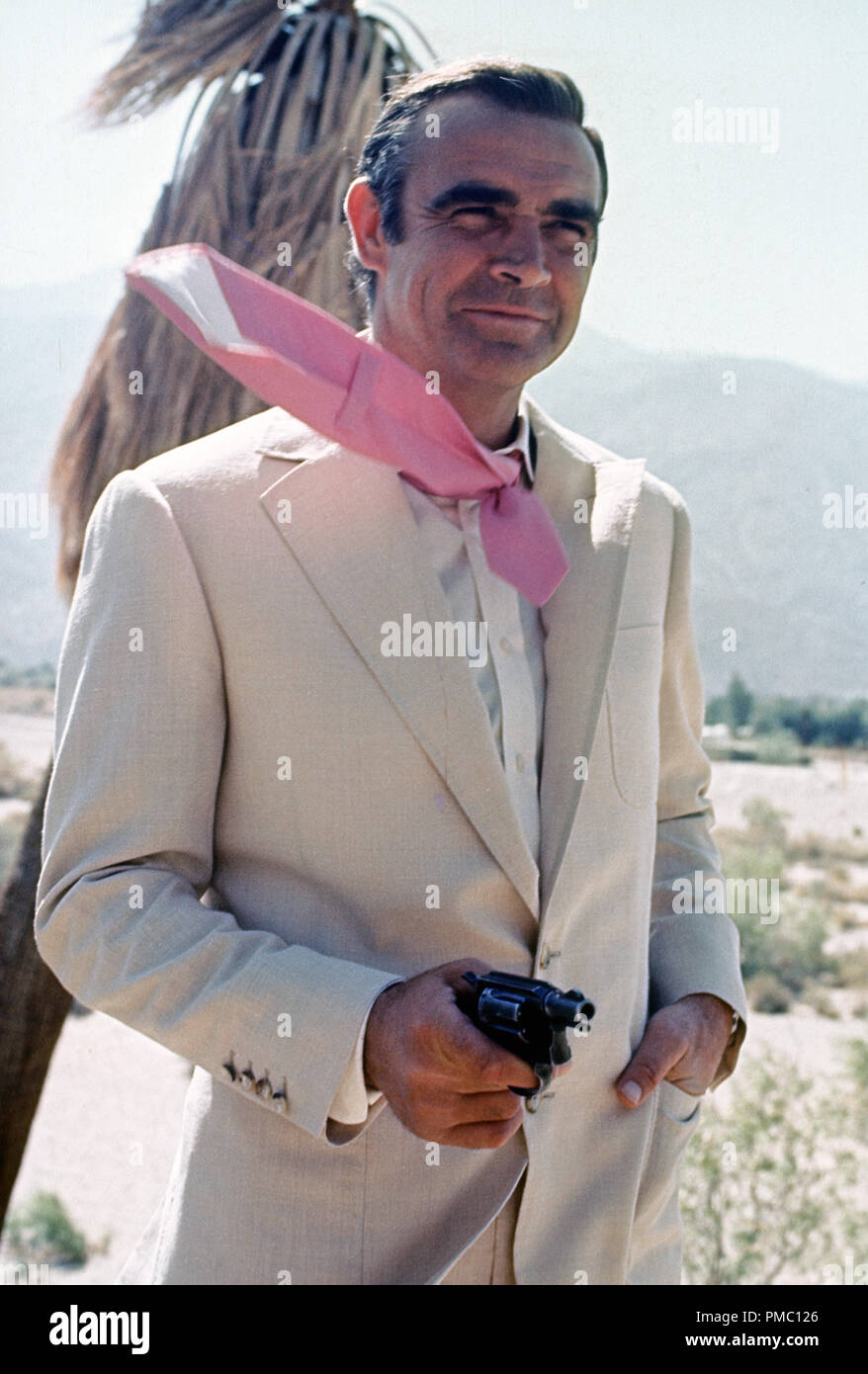 James Bond Sean Connery Suit High Resolution Stock Photography And Images Alamy