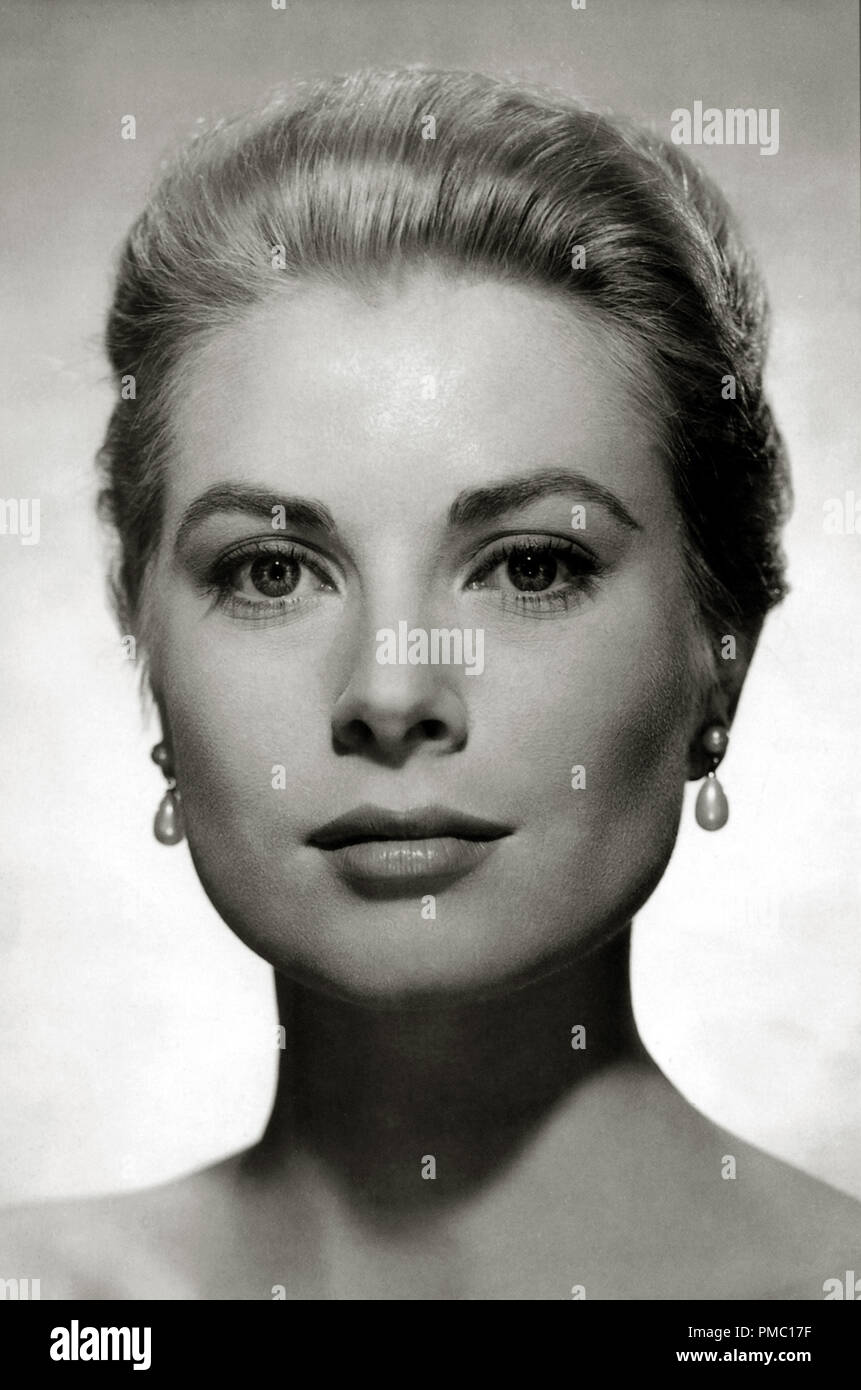 Grace Kelly  'Rear Window' (1954) Paramount  Photo by Virgil Apger  File Reference # 33595_220THA - Stock Image