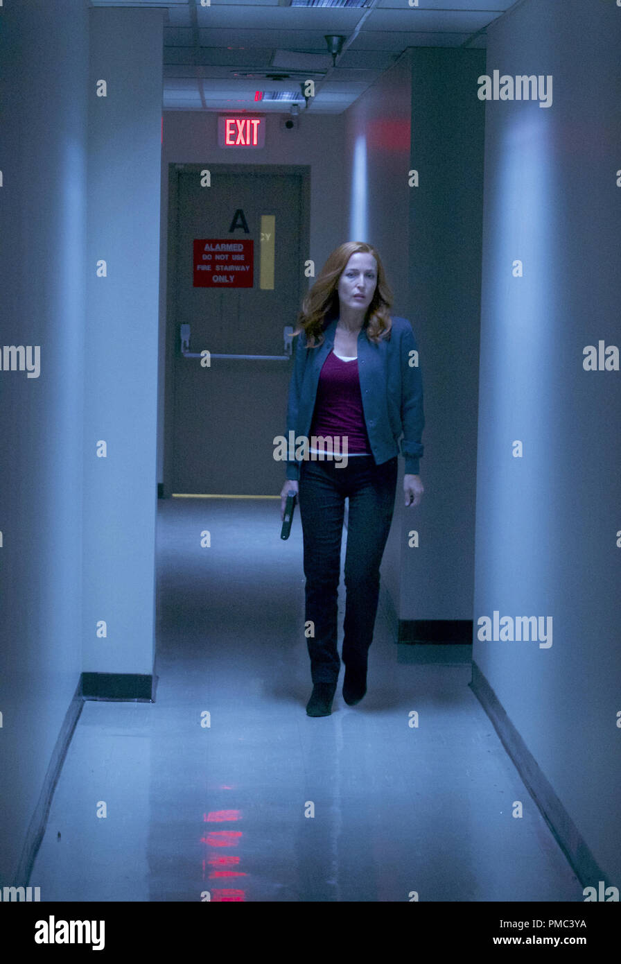 THE X-FILES:  Gillian Anderson in the 'This' episode of THE X-FILES on Fox. © 2018 Fox Broadcasting Co. Cr:  Shane Harvey/Fox - Stock Image