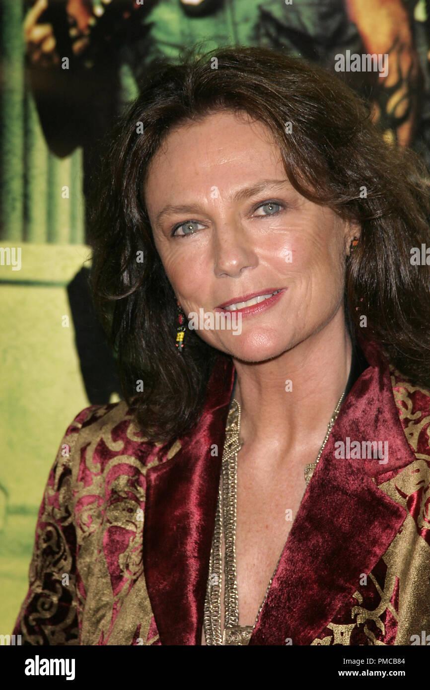 Domino Premiere Jacqueline Bisset 10 11 2005 Graumans Chinese