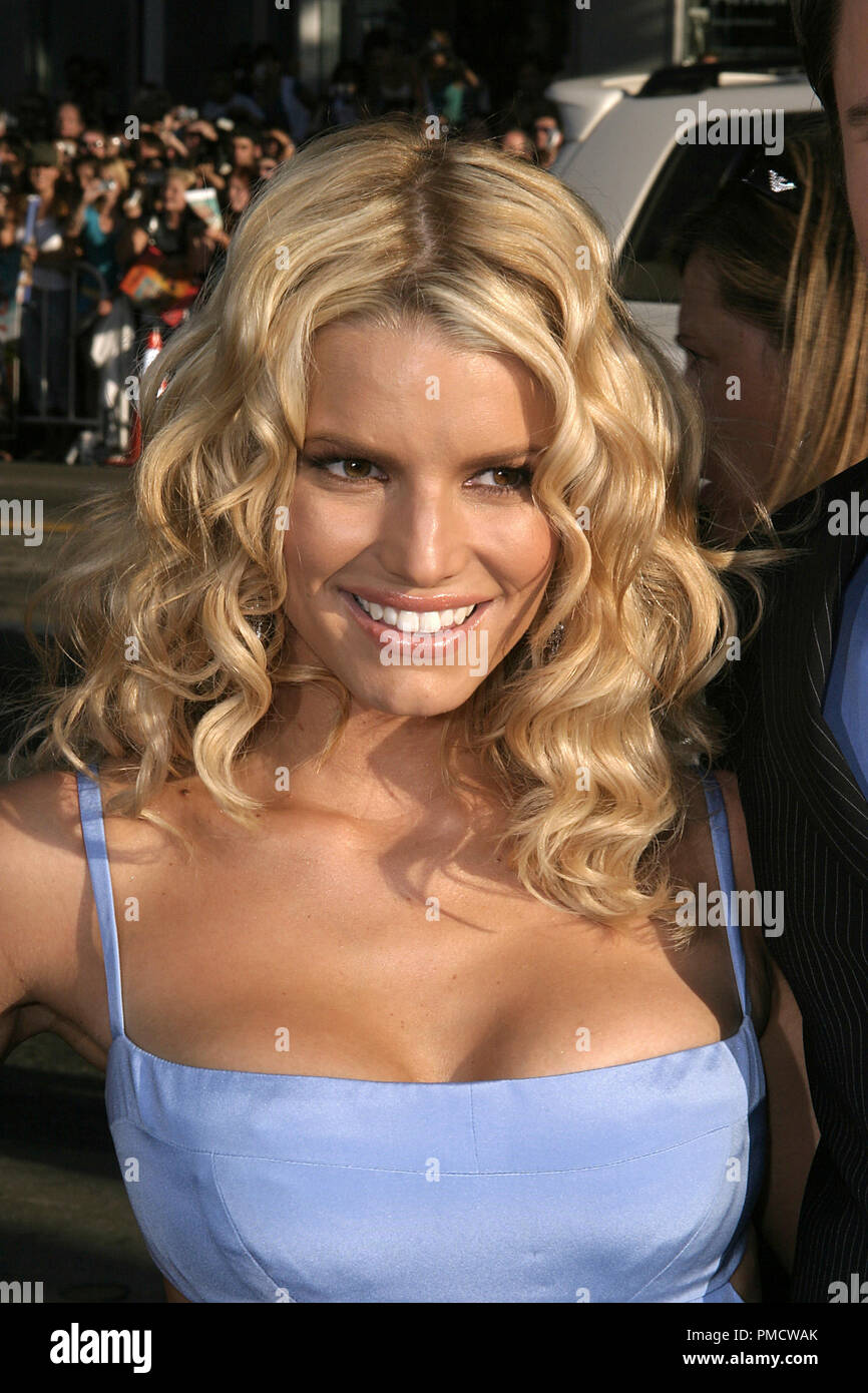 'The Dukes of Hazzard' (Premiere) Jessica Simpson 07-29-2005 / Grauman's Chinese Theatre / Hollywood, CA Photo by Joseph Martinez / PictureLux   File Reference # 22452_0122PLX  For Editorial Use Only -  All Rights Reserved - Stock Image