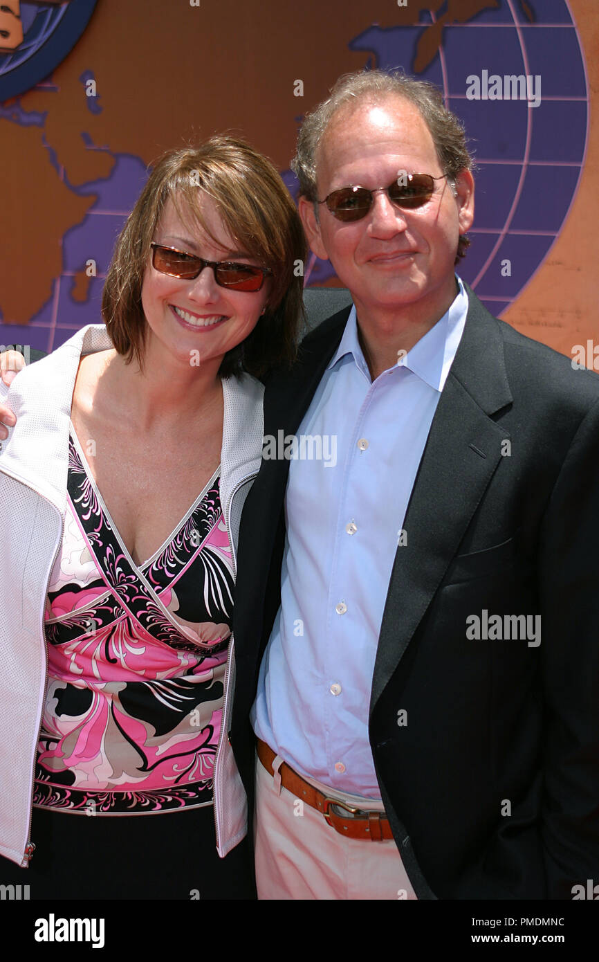 'Around the World in 80 (Eighty) Days' Premiere 6-13-2004 Producer Hal Lieberman and wife Photo by Joseph Martinez / PictureLux  File Reference # 21860_0002-picturelux  For Editorial Use Only - All Rights Reserved - Stock Image