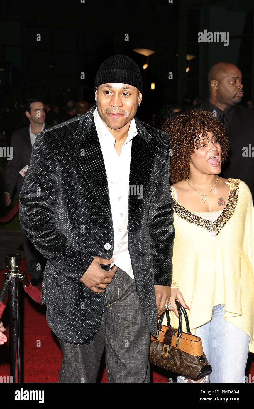 'Last Holiday' (Premiere) LL Cool J (aka James Todd Smith) and wife Symone Smith 01-12-2006 / Cinerama Dome / Hollywood, CA / Paramount Pictures / Photo by Joseph Martinez - All Rights Reserved  File Reference # 22598_0082PLX  For Editorial Use Only -  All Rights Reserved - Stock Image