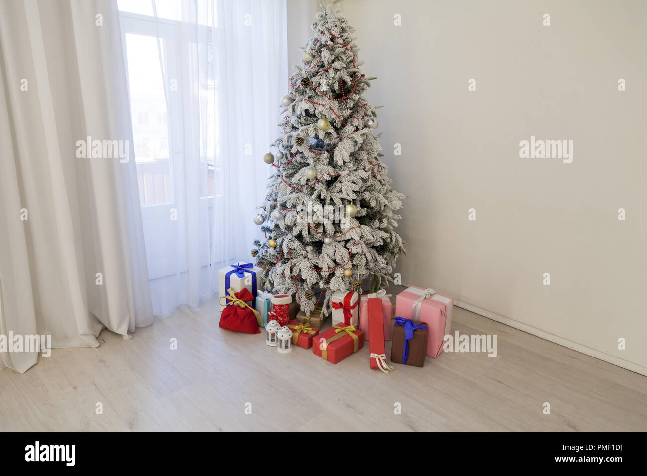 apartment christmas gifts