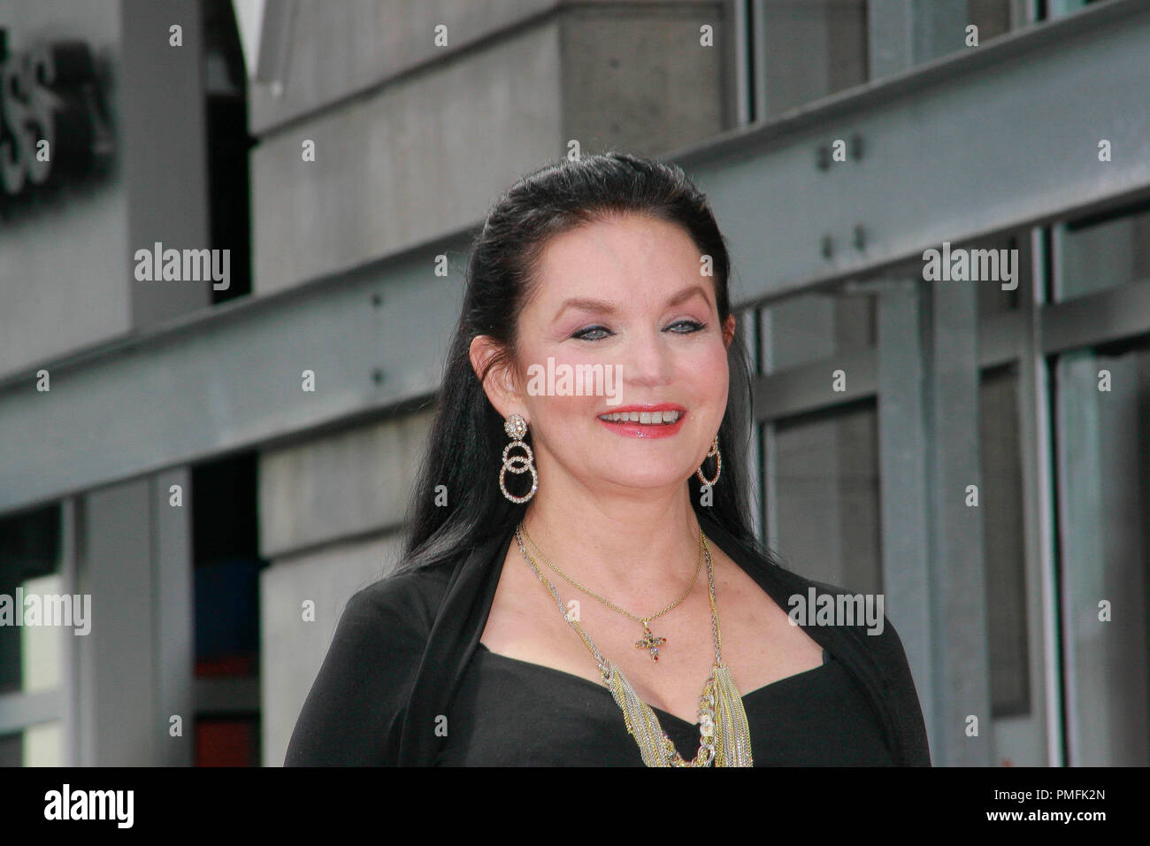 Crystal Gayle at the Hollywood Chamber of Commerce ceremony to honor her with the 2,390th Star on the Hollywood Walk of Fame on Vine Street near Sunset Boulevard in Hollywood, CA, October 2, 2009. Photo by Picturelux File Reference # 30082_11PLX   For Editorial Use Only -  All Rights Reserved - Stock Image