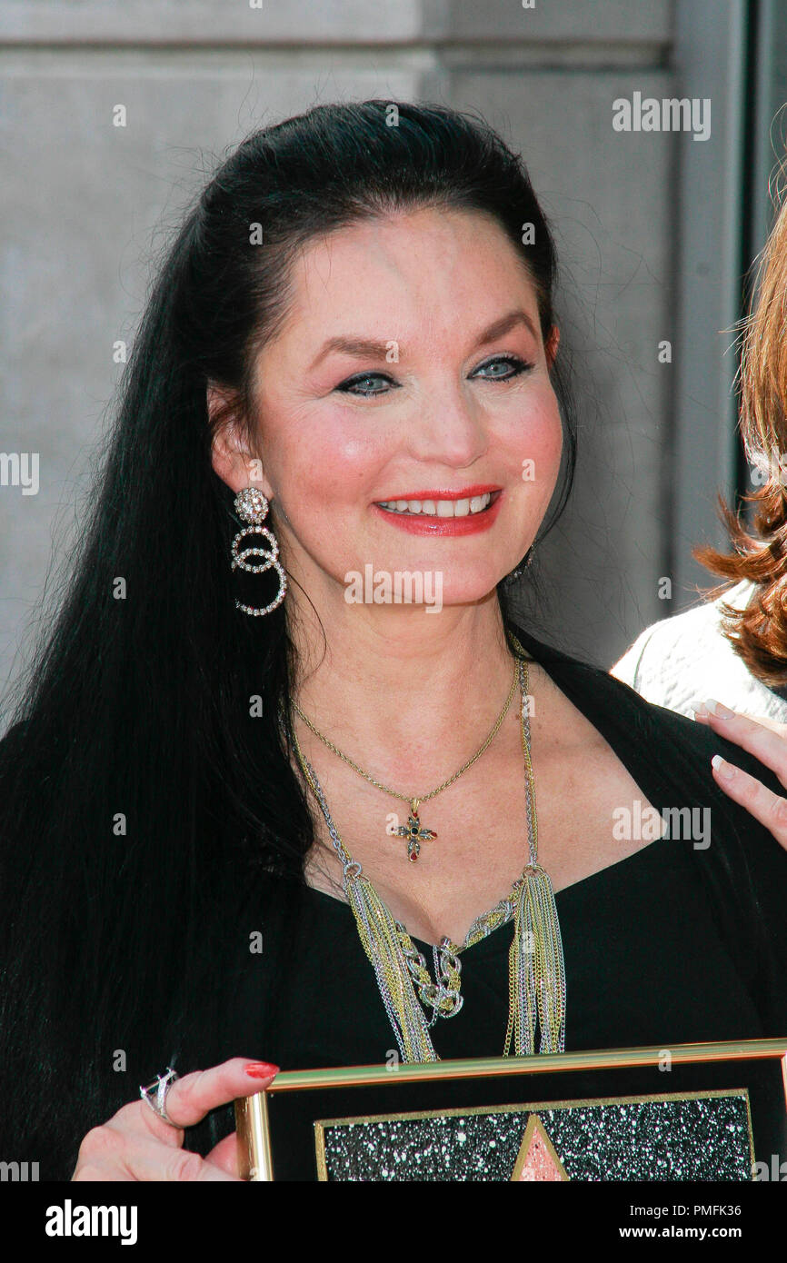 Crystal Gayle at the Hollywood Chamber of Commerce ceremony to honor her with the 2,390th Star on the Hollywood Walk of Fame on Vine Street near Sunset Boulevard in Hollywood, CA, October 2, 2009. Photo by Picturelux File Reference # 30082_24PLX   For Editorial Use Only -  All Rights Reserved - Stock Image