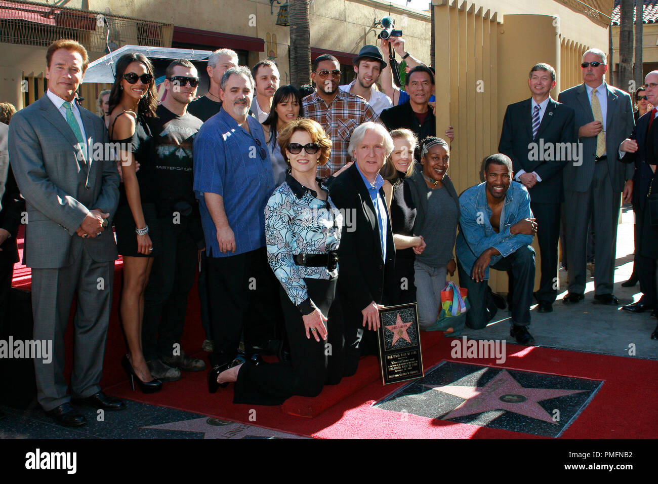 James Cameron And Avatar Cast At The Hollywood Chamber Of Commerce Ceremony To Honor Him With