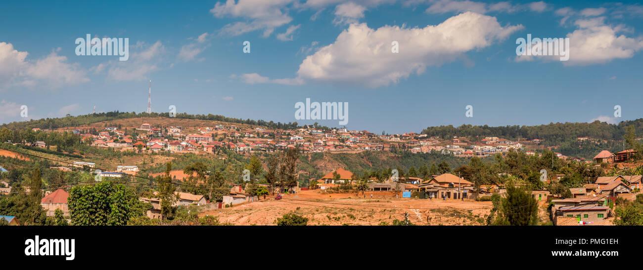 View of the hilly horizon in Nyamirambo, an outlying part of Kigali, Rwanda - Stock Image