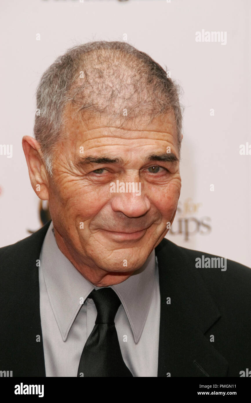 Robert Forster at the 9th Annual Movies for Grownups Awards. Arrivals held at the Beverly Wilshire Hotel in Beverly Hills, CA February 16, 2010. Photo by PictureLux File Reference # 30131_023PLX   For Editorial Use Only -  All Rights Reserved - Stock Image