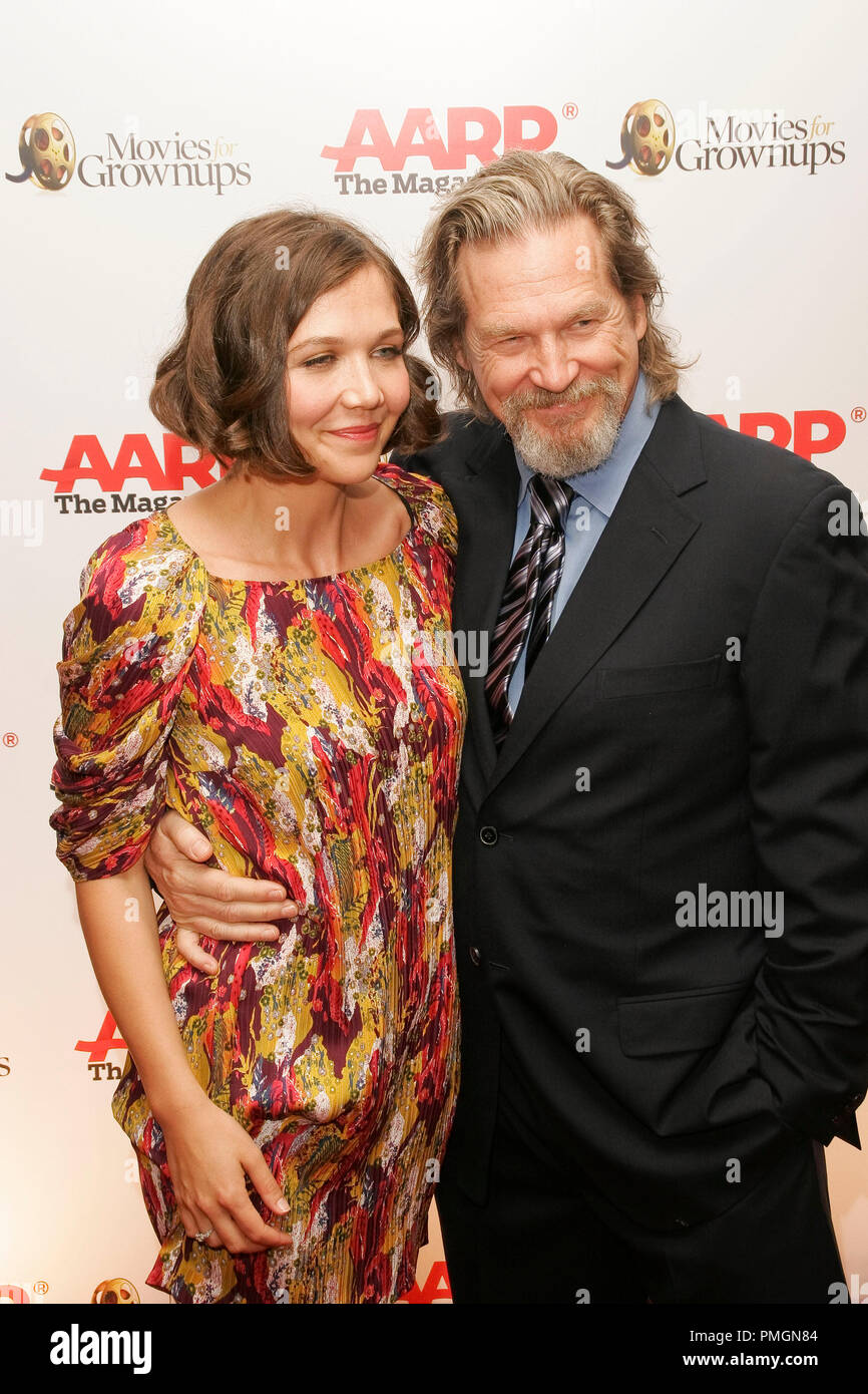 Maggie Gyllenhaal and Jeff Bridges at the 9th Annual Movies for Grownups Awards. Arrivals held at the Beverly Wilshire Hotel in Beverly Hills, CA February 16, 2010. Photo by PictureLux File Reference # 30131_088PLX   For Editorial Use Only -  All Rights Reserved - Stock Image