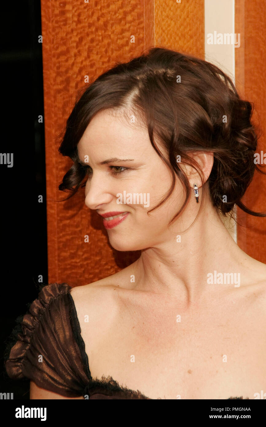Juliette Lewis at the 9th Annual Movies for Grownups Awards. Arrivals held at the Beverly Wilshire Hotel in Beverly Hills, CA February 16, 2010. Photo by PictureLux File Reference # 30131_107PLX   For Editorial Use Only -  All Rights Reserved - Stock Image