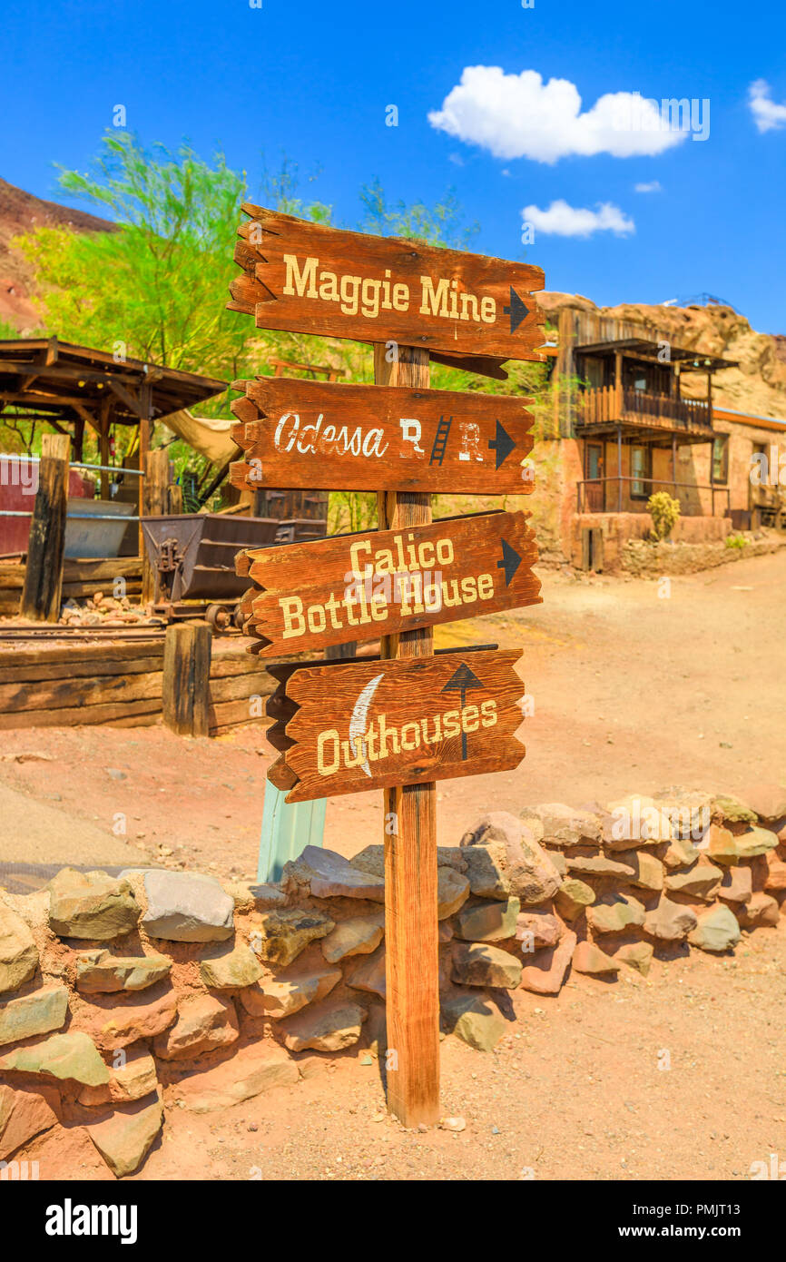 Sign of Calico Ghost Town in Calico Mountains of Mojave Desert, Southern California, USA. Historic Park and popular travel destination. The Mining Town is near Barstow, San Bernardino. Vertical shot. - Stock Image