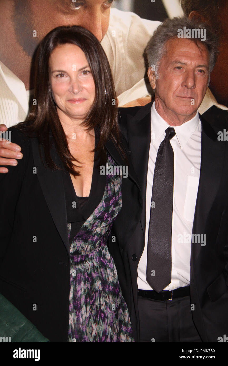 Dustin Hoffman,Lisa Gottsegen 11/06/10, 'Barney's Version' premiere, Egyptian Theatre, Hollywood Photo by Izumi Hasegawa/HollywoodNewsWire.net  File Reference # 30672_070PLX   For Editorial Use Only -  All Rights Reserved - Stock Image