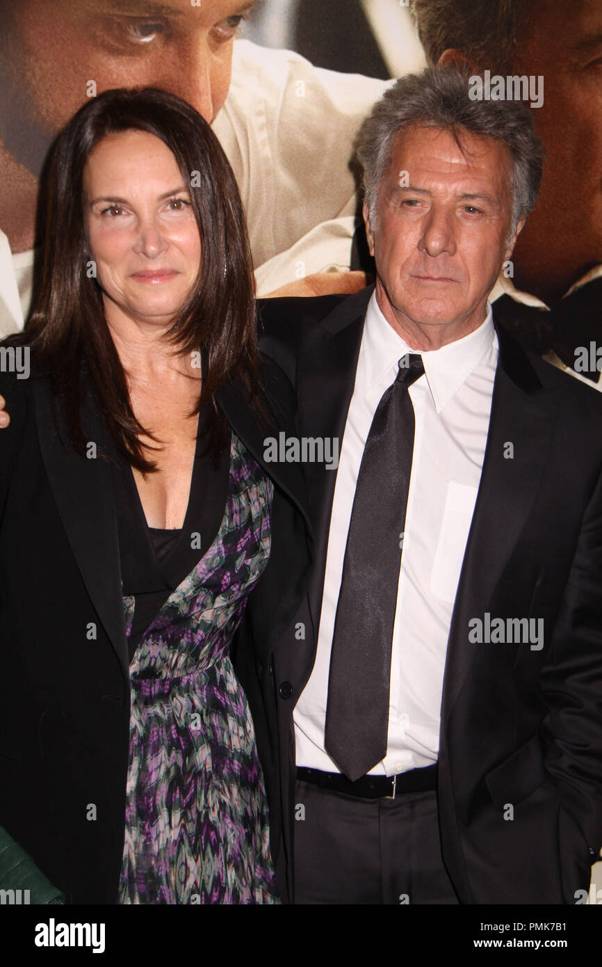Dustin Hoffman,Lisa Gottsegen 11/06/10, 'Barney's Version' premiere, Egyptian Theatre, Hollywood Photo by Izumi Hasegawa/HollywoodNewsWire.net  File Reference # 30672_071PLX   For Editorial Use Only -  All Rights Reserved - Stock Image