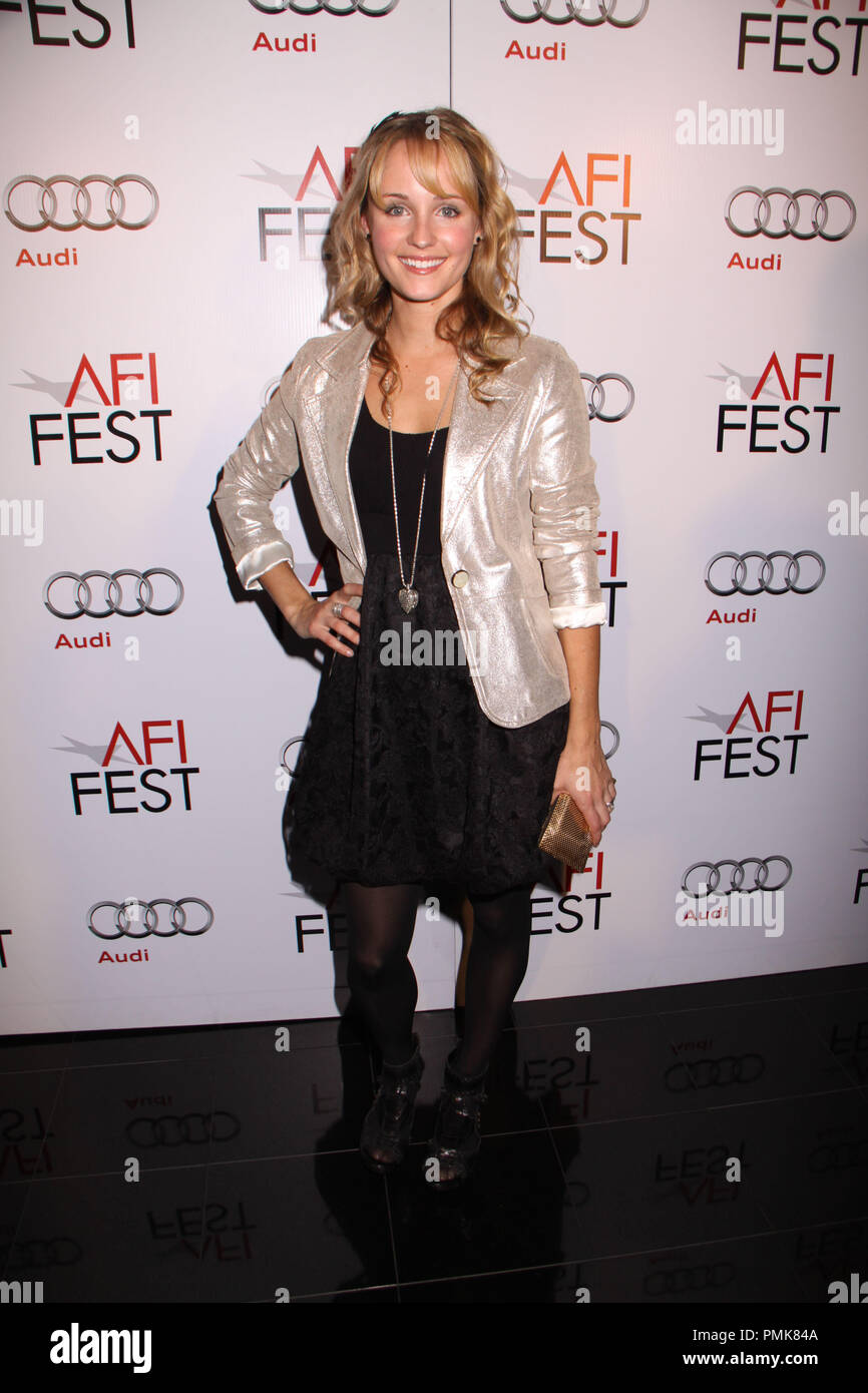 33. Jennifer Aniston,Emily Bett Rickards Porn photo Roberta Tovey,Jacqueline Obradors