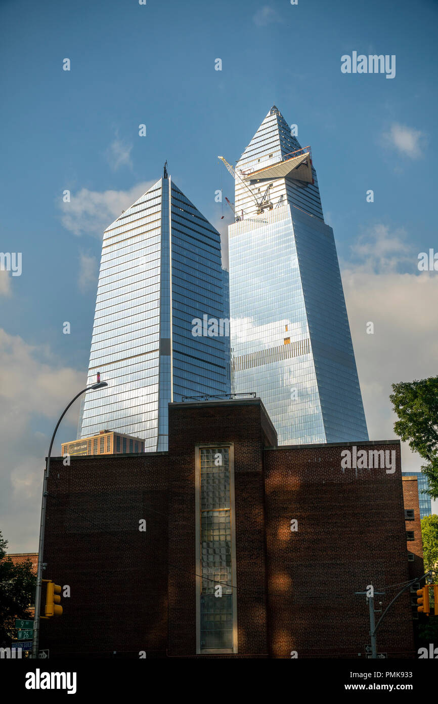 10 Hudson Yards, left, 30 Hudson Yards, right, and other development around Hudson Yards in New York prior to an impending storm on Saturday, September 15, 2018. (© Richard B. Levine) Stock Photo