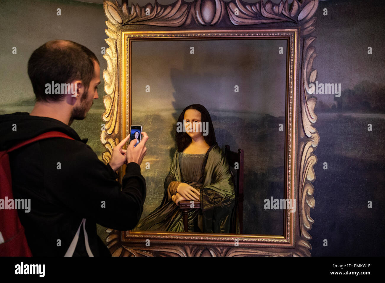 Wax figur of The Mona Lisa or La Gioconda, in Madame Tussauds museum in Amsterdam, Netherlands - Stock Image
