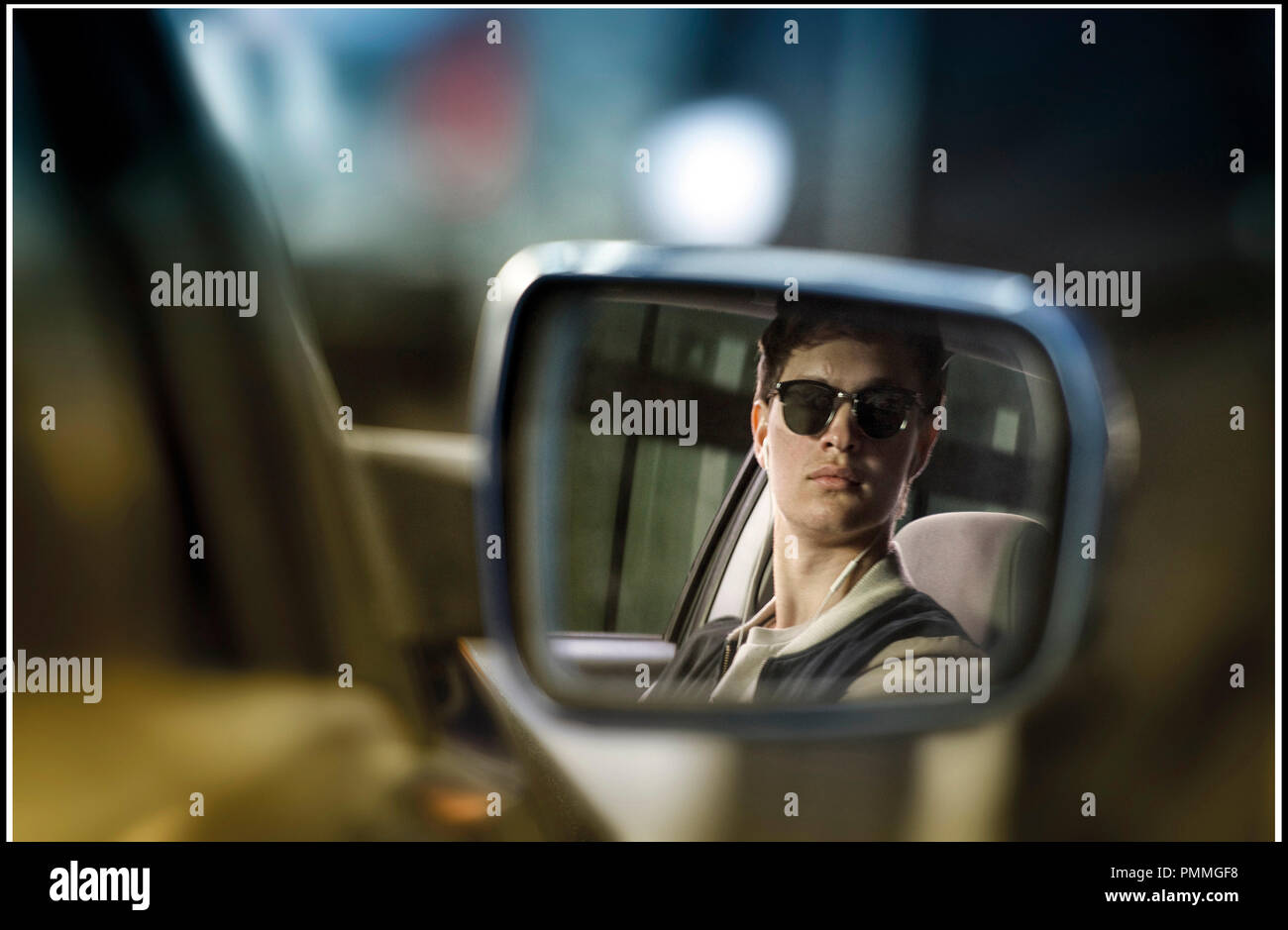 14eb44c0f8 ... Films - Double Negative - Media Rights Capital   DR BABY DRIVER de  Edgar Wright 2017 GB USA avec Ansel Elgort retroviseur