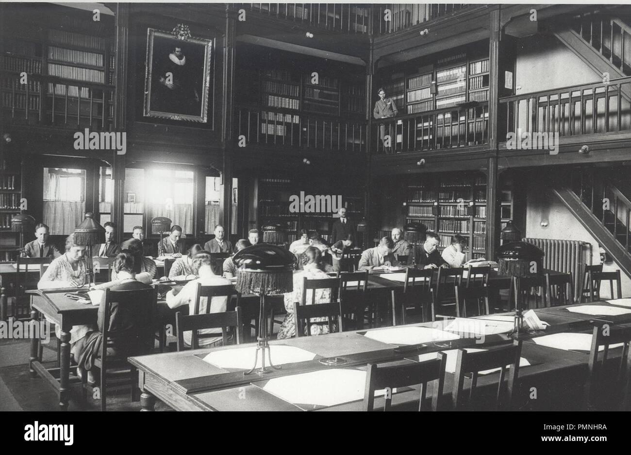 Bibliotheek Nederlandsche Handels-Hoogeschool, 1920. - Stock Image