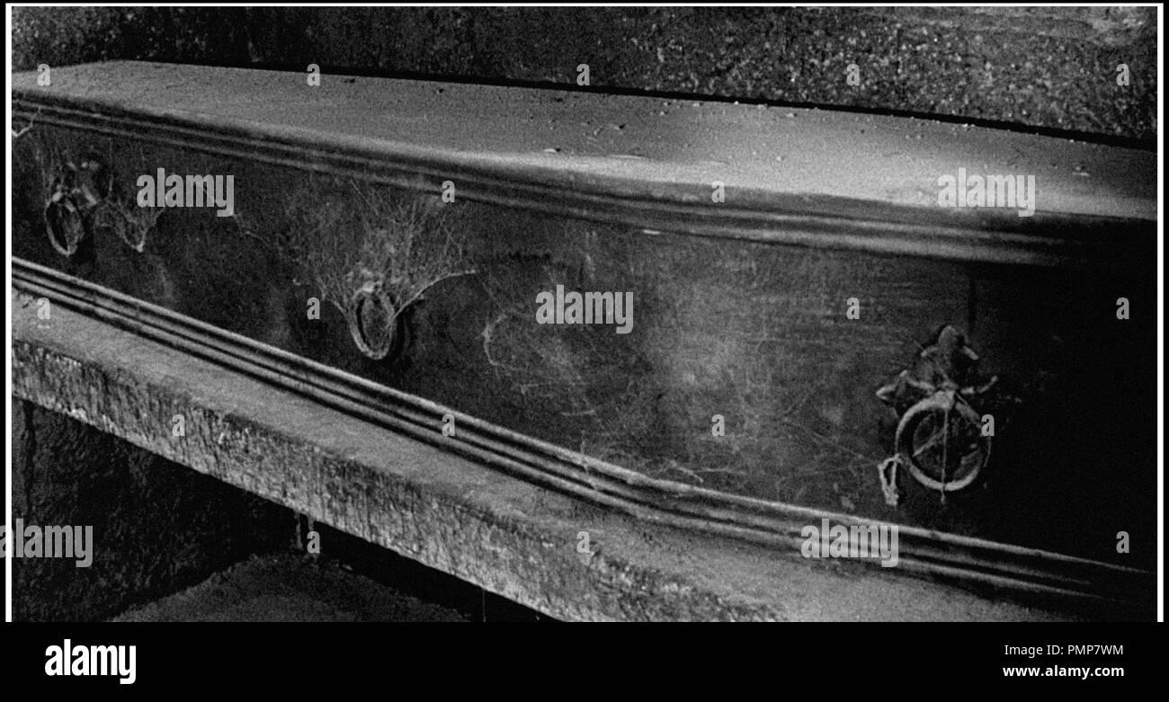 Prod DB © Wintle - Parkyn Production / DR  BRULE, SORCIERE, BRULE! (NIGHT OF THE EAGLE/BURN WITCH, BURN) de Sidney Hayers 1962 GB  fantastique, cercueil scenario de Richard Matheson d'apres le roman de Fritz Leiber Jr (Conjure Wife)  code NE code 6200 - Stock Image