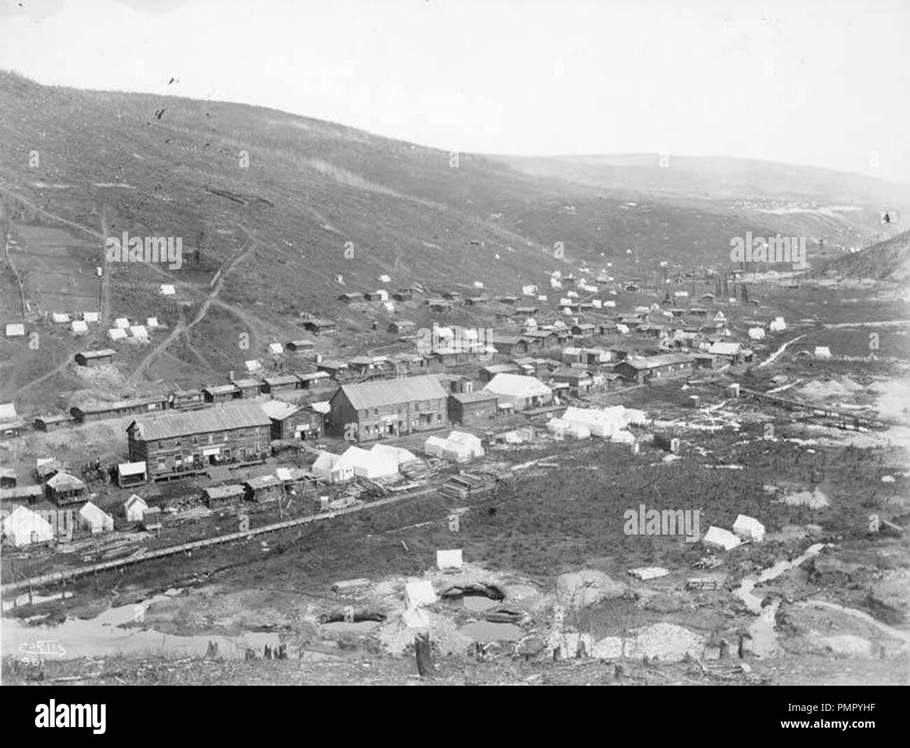 Bird's-eye view of Grand Forks from Gold Hill Yukon Territory ca 1898 (CURTIS 1359). - Stock Image