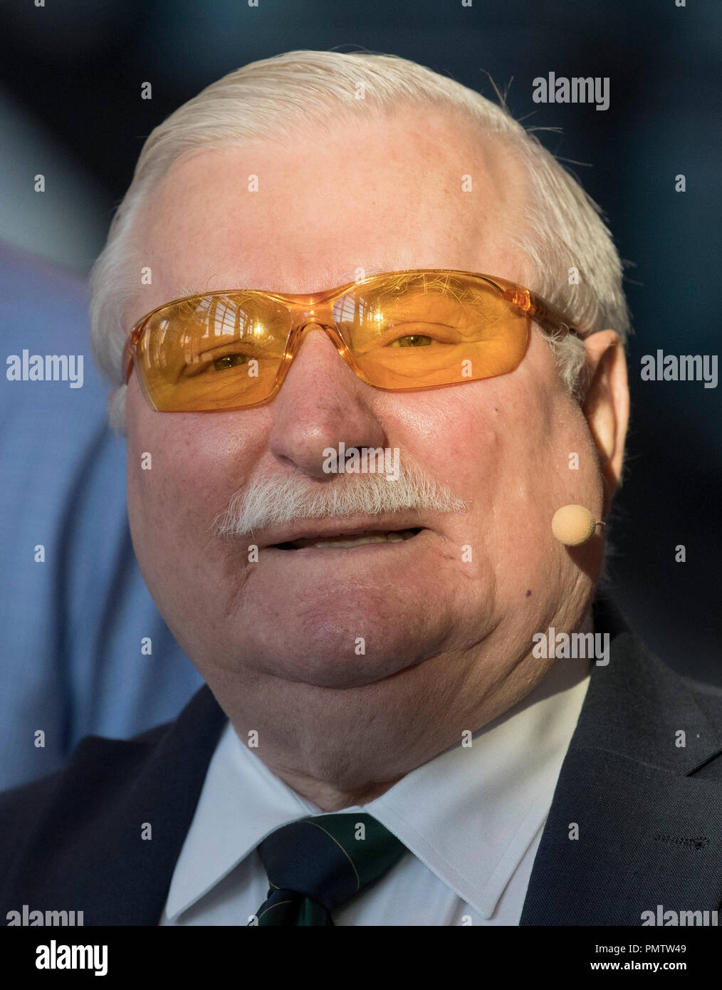 Darmstadt, Hessen. 19th Sep, 2018. Nobel Peace Prize winner Lech Walesa arrives at a symposium on the topic 'Nonviolence is the way'. Credit: Boris Roessler/dpa/Alamy Live News - Stock Image