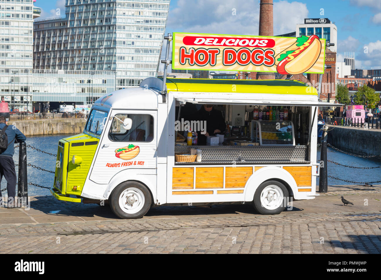Liverpool Canning Dock Hot Dog Dogs Citroen van Always Fresh & Hot snack bar cafe soft drinks condiments big sign Delicious - Stock Image