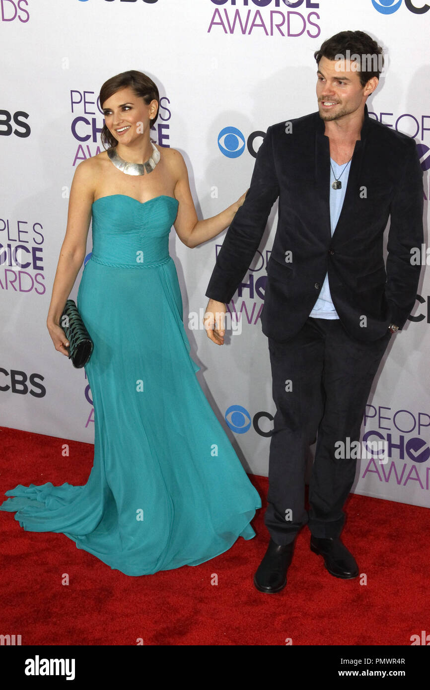 Rachael Leigh Cook and Daniel Gillies at the People's Choice Awards 2013. Arrivals held at