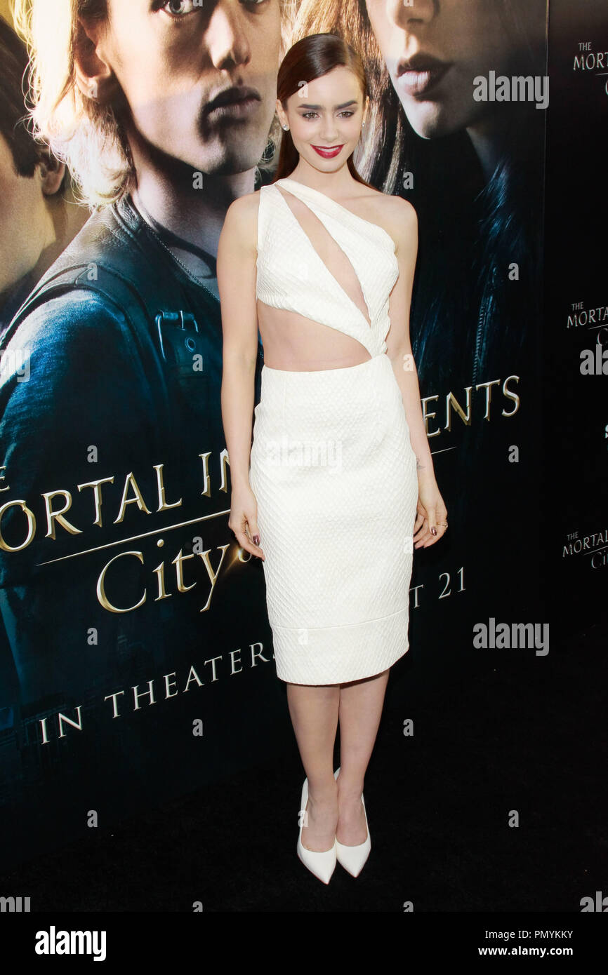 b6d0bb58103d1d Lily Collins at the World Premiere of Screen Gems & Constantin Films' 'The  Mortal