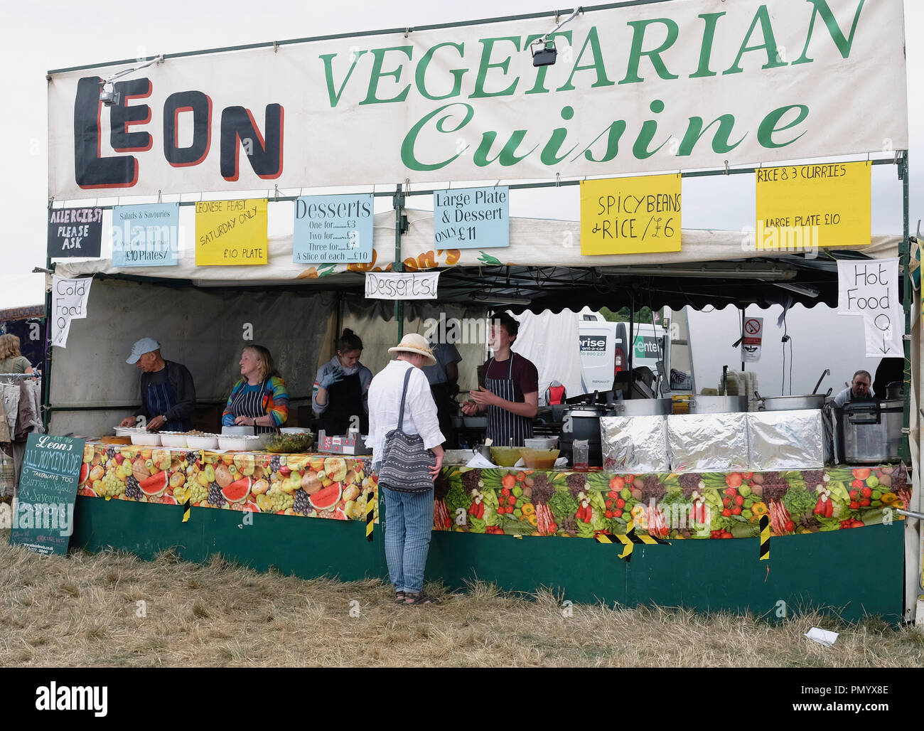 England, Oxfordshire, Leon's Vegetarian food stall at Fairport's Cropredy Convention. - Stock Image