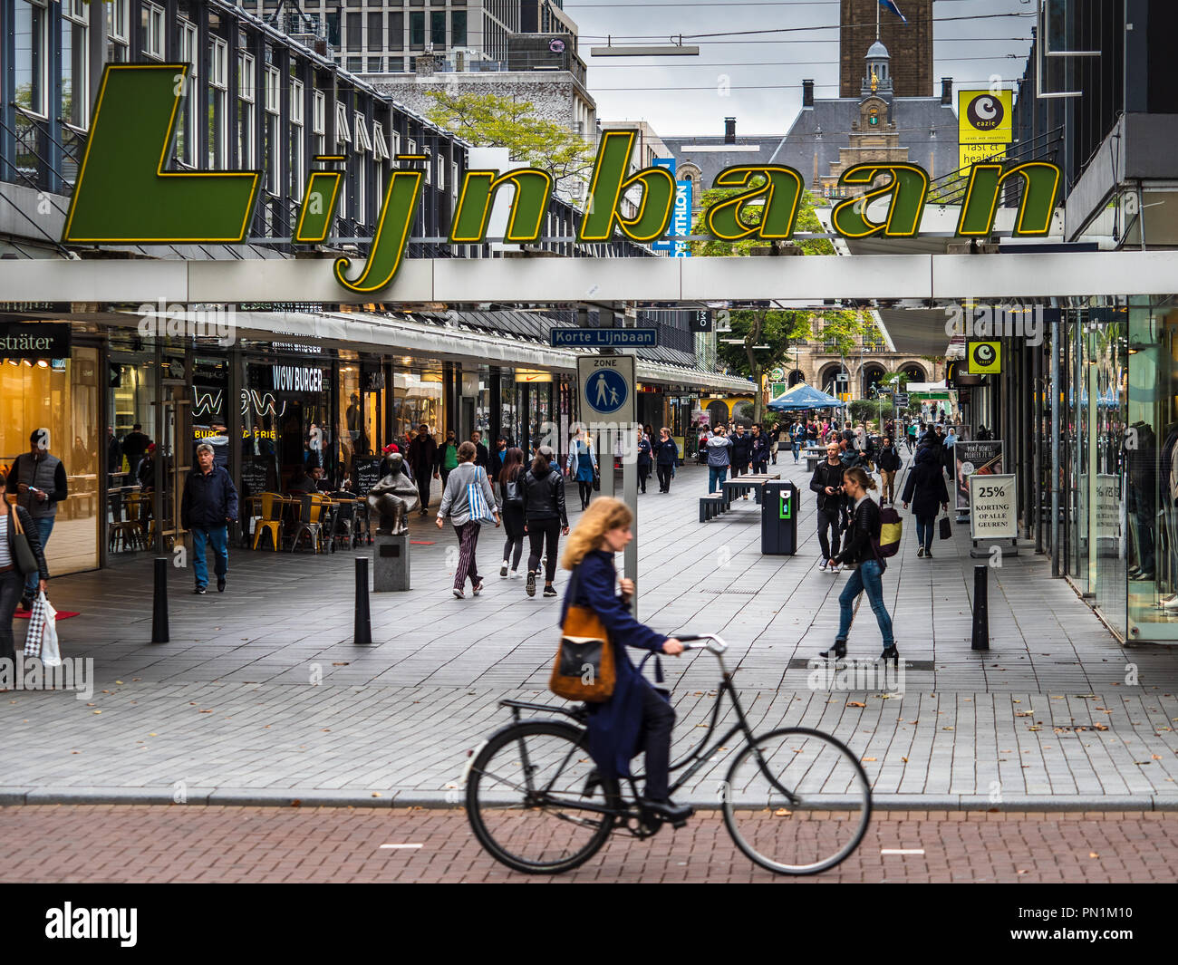 Lijnbaan Rotterdam - Lijnbaan was opened in 1953 as Europe's first ...