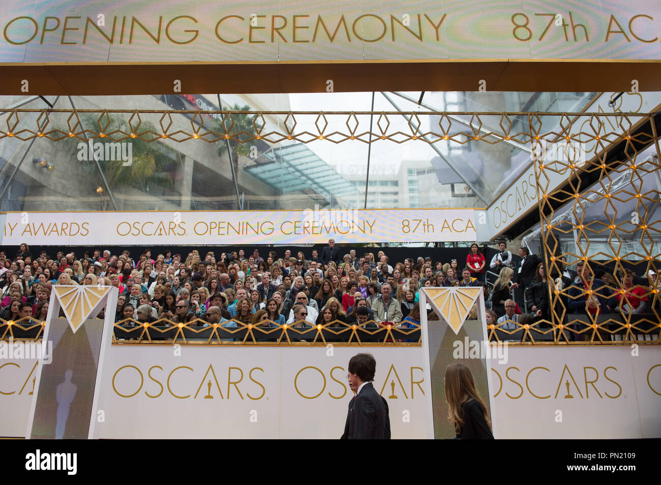 Arrival area for the live ABC Telecast of The 87th Oscars® at the Dolby® Theatre in Hollywood, CA on  Sunday, February 22, 2015.  File Reference # 32566_052THA  For Editorial Use Only -  All Rights Reserved - Stock Image