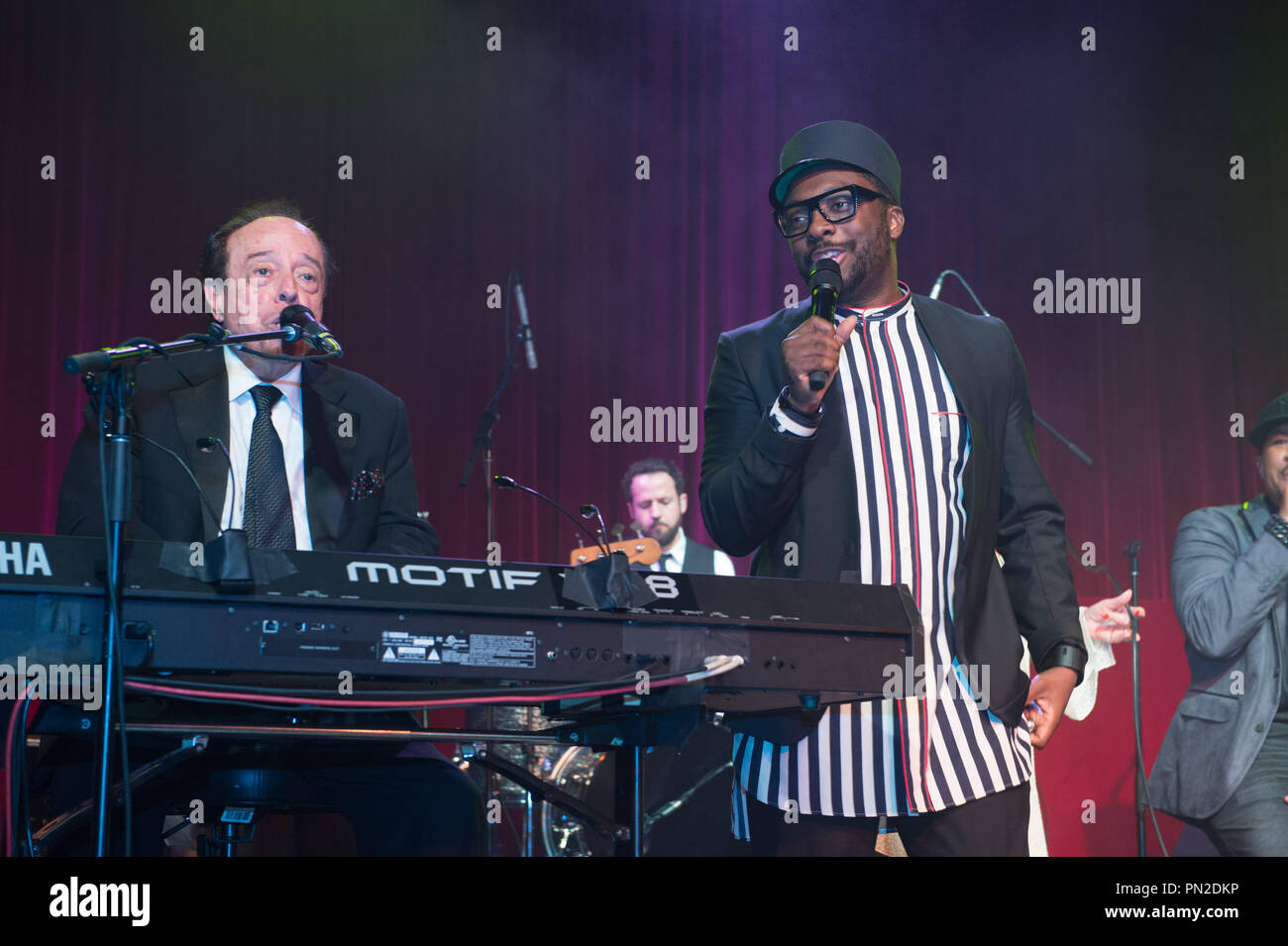 Sergio Mendes and will.i.am perform at the Governor's Ball after the live ABC Telecast of The 87th Oscars® at the Dolby® Theatre in Hollywood, CA on Sunday, February 22, 2015.  File Reference # 32571_025THA  For Editorial Use Only -  All Rights Reserved - Stock Image