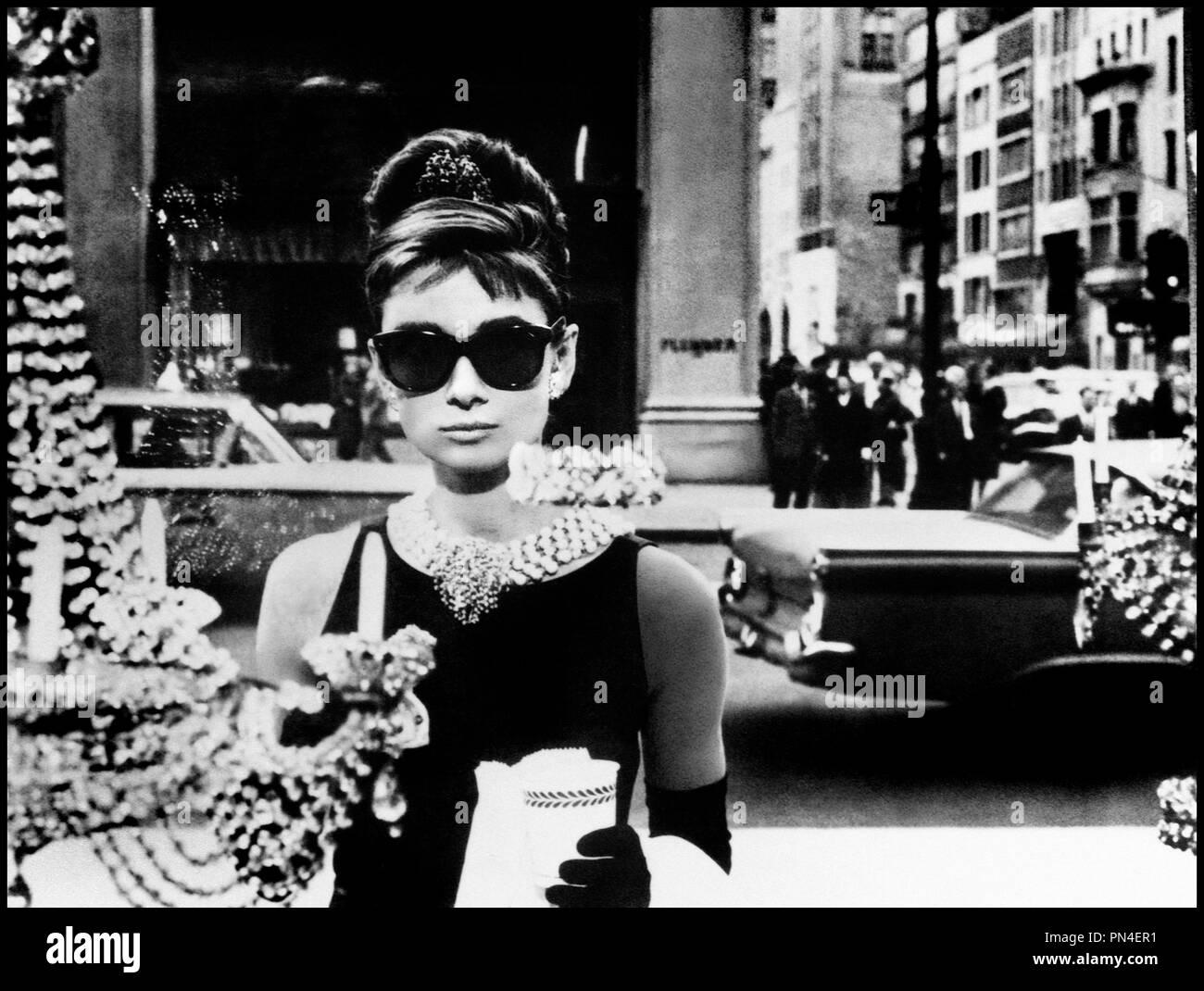 vif et grand en style magasiner pour le luxe top design Prod DB © Paramount / DR DIAMANTS SUR CANAPE (BREAKFAST AT ...