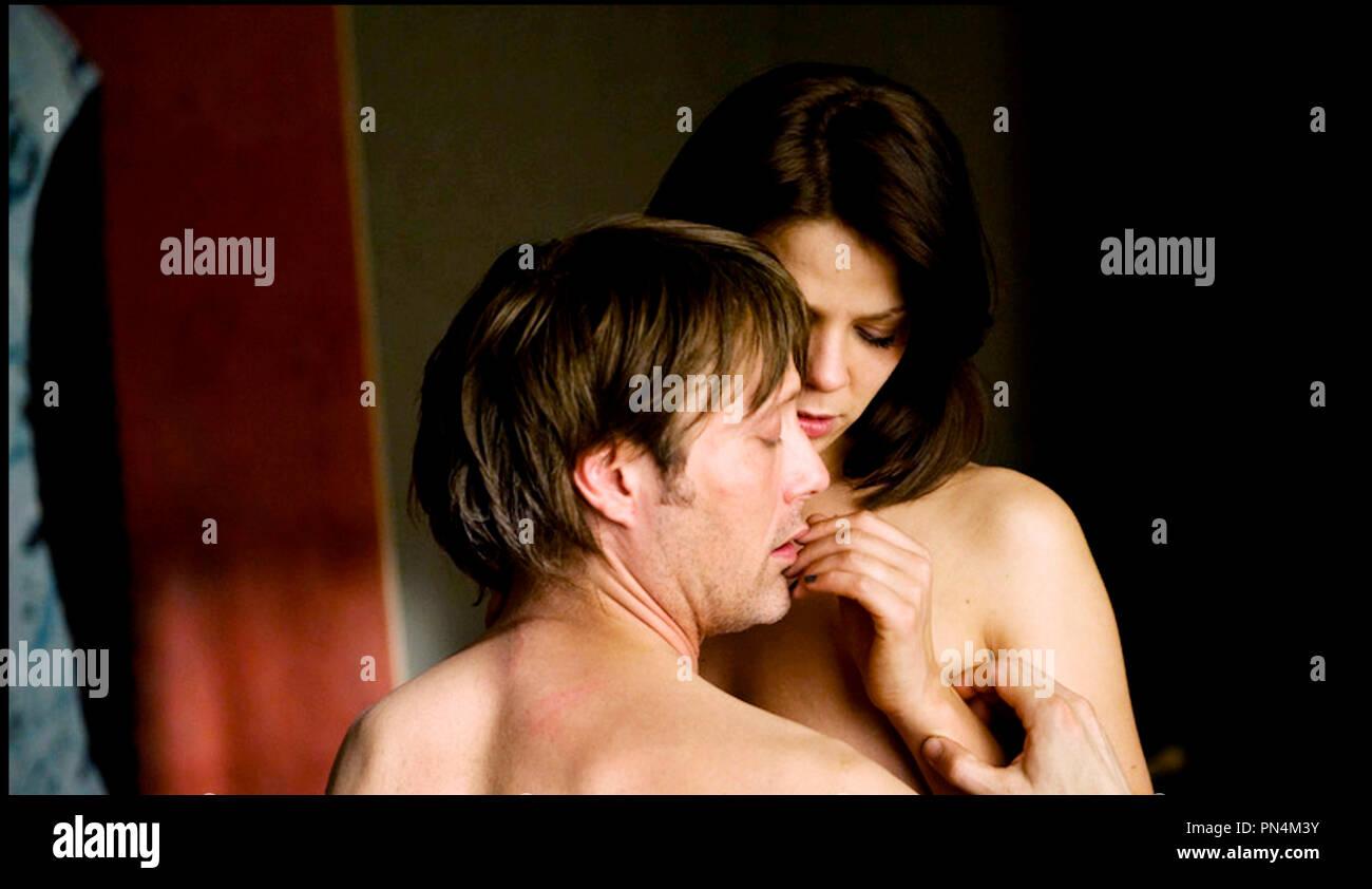 Couple Nu prod db ©wüste filmproduktion / dr the door (die tur) de anno