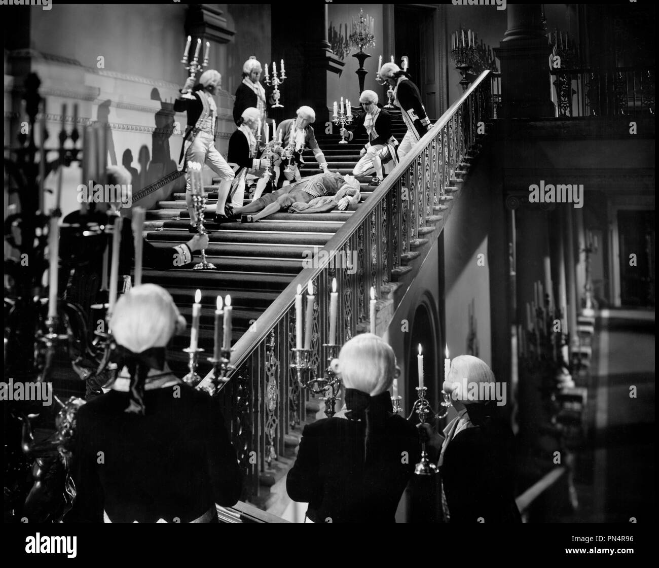 Prod DB © Paramount Pictures / DR LA DUCHESSE DES BAS-FONDS (KITTY) de Mitchell Leisen 1945 USA 18eme siecle, XVIIIeme, chandelier, bougie, accident, chute, escalier, serviteurs, valets, perruque d'apres le roman de Rosamond Marshall Stock Photo